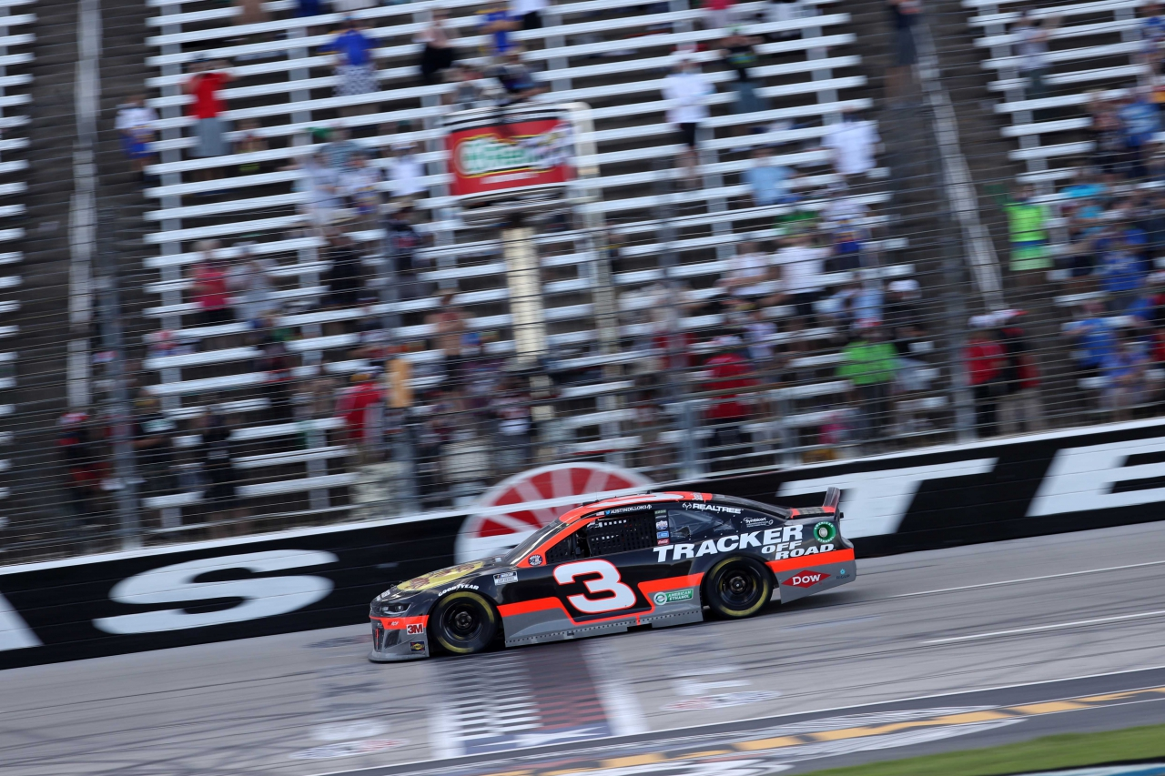 Austin Dillon wins at Texas Motor Speedway - NASCAR Cup Series 3