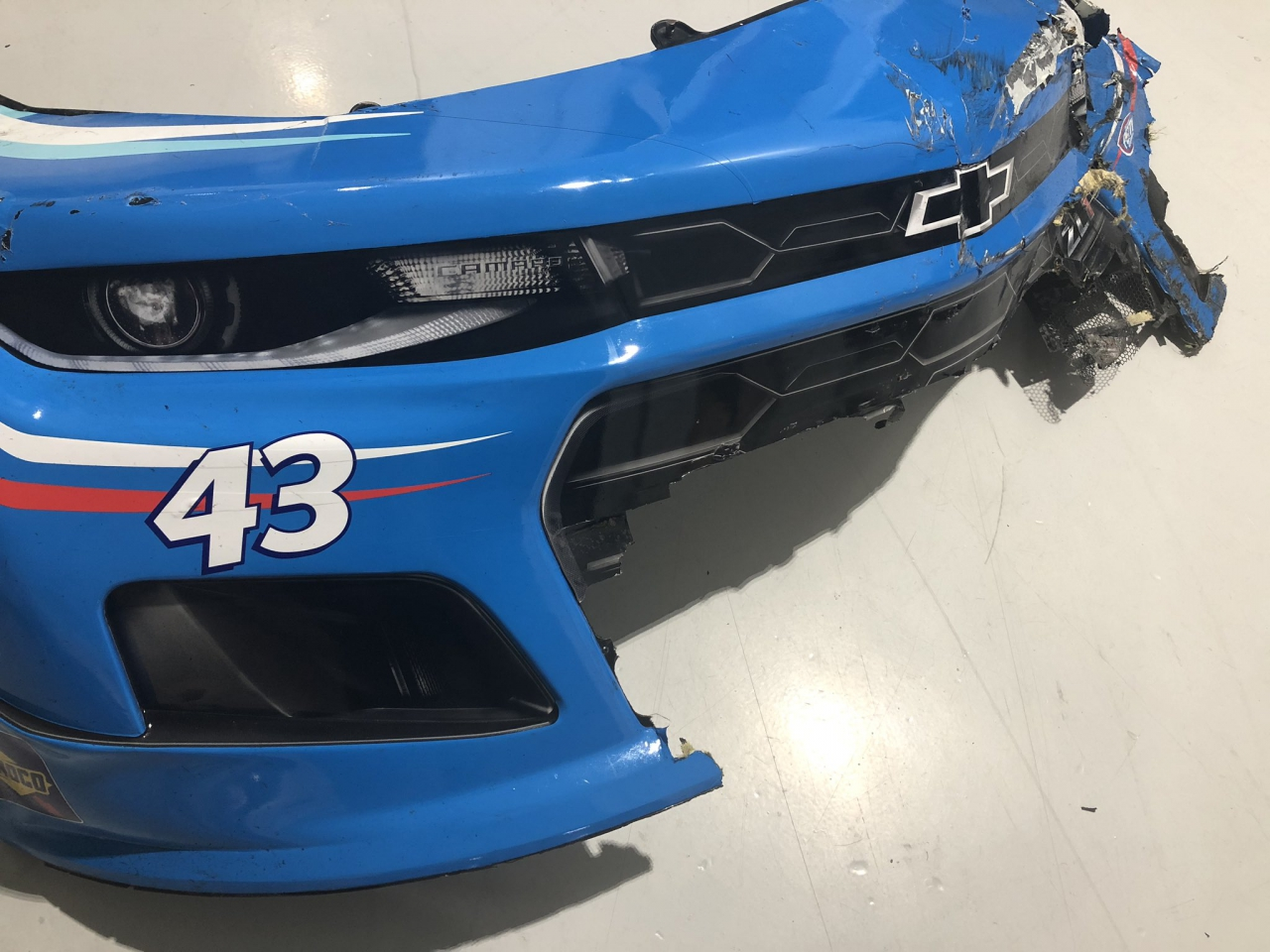 Bubba Wallace nose piece auction
