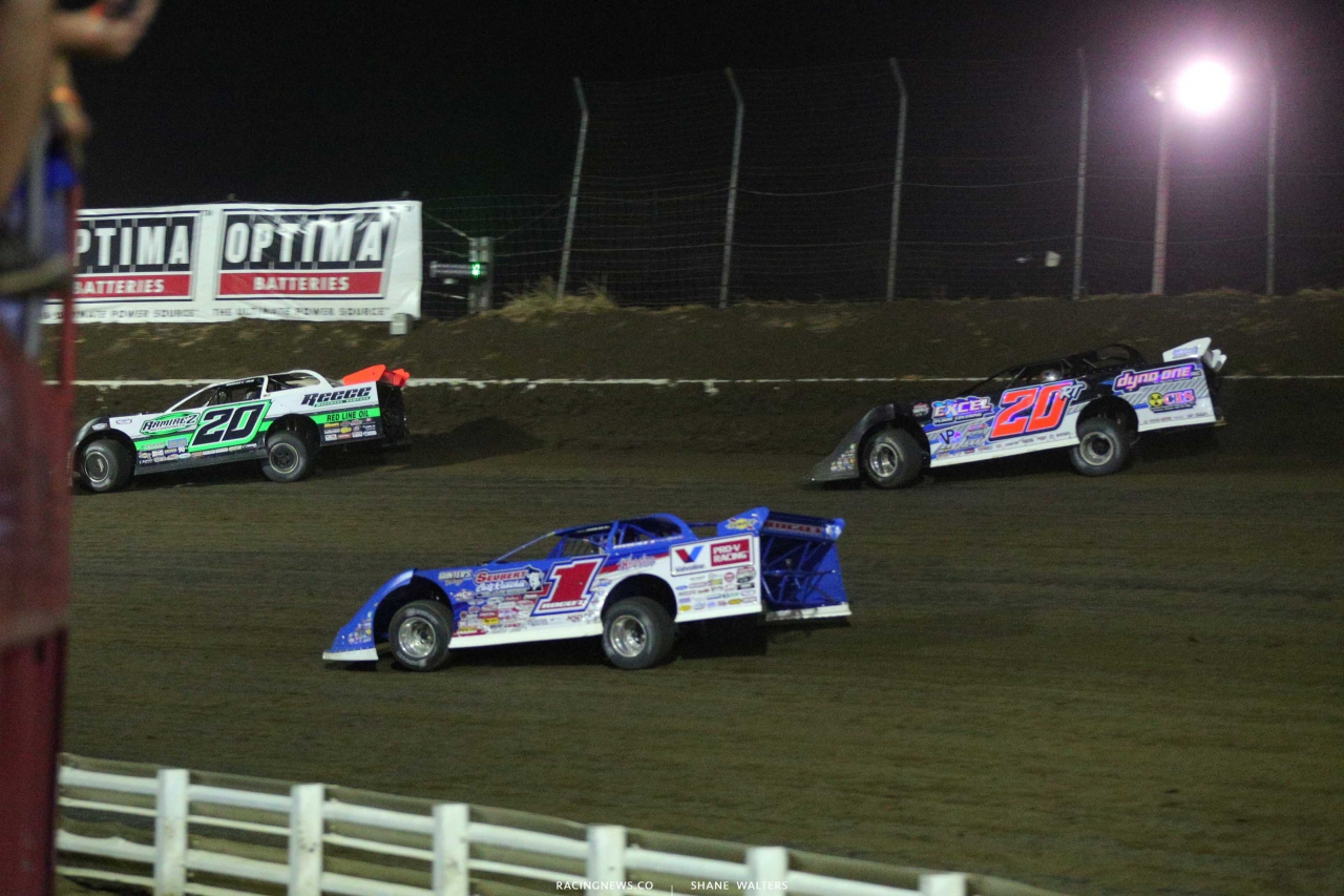 Jimmy Owens, Brandon Sheppard and Ricky Thornton Jr at I-80 Speedway - Lucas Dirt Series 0054