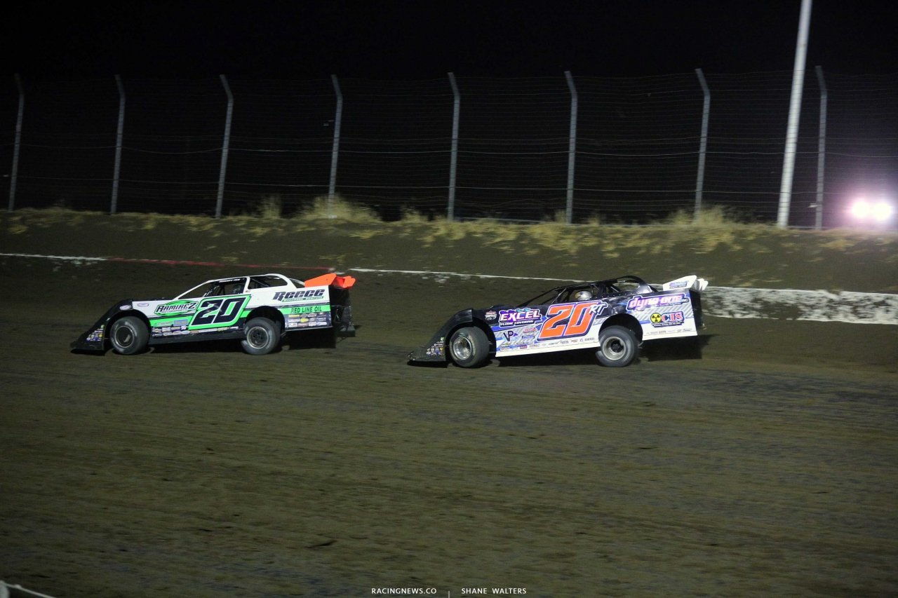 Jimmy Owens and Ricky Thornton Jr at I-80 Speedway - Lucas Oil Late Model Dirt Series 0036