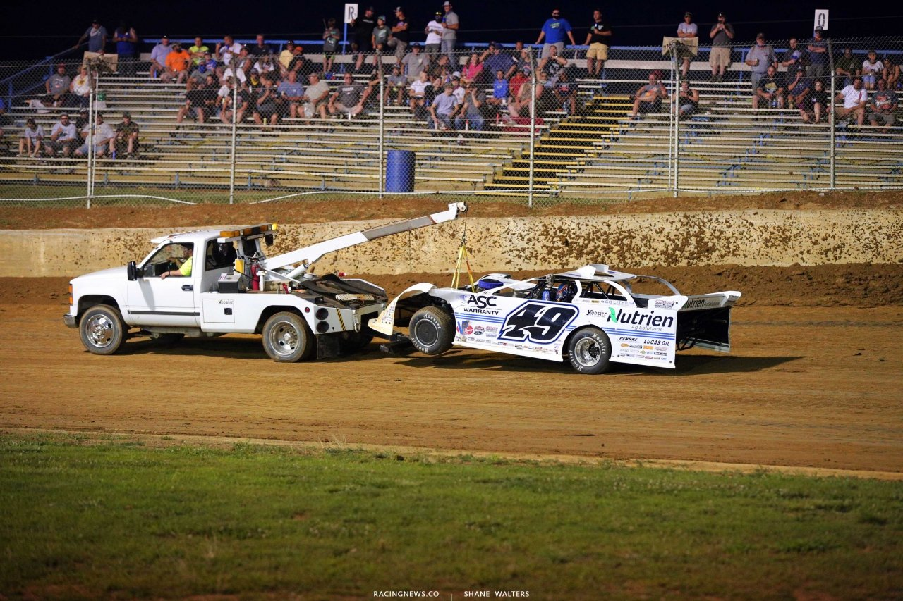 Jonathan Davenport on the hook at Florence Speedway - Lucas Late Model 8385