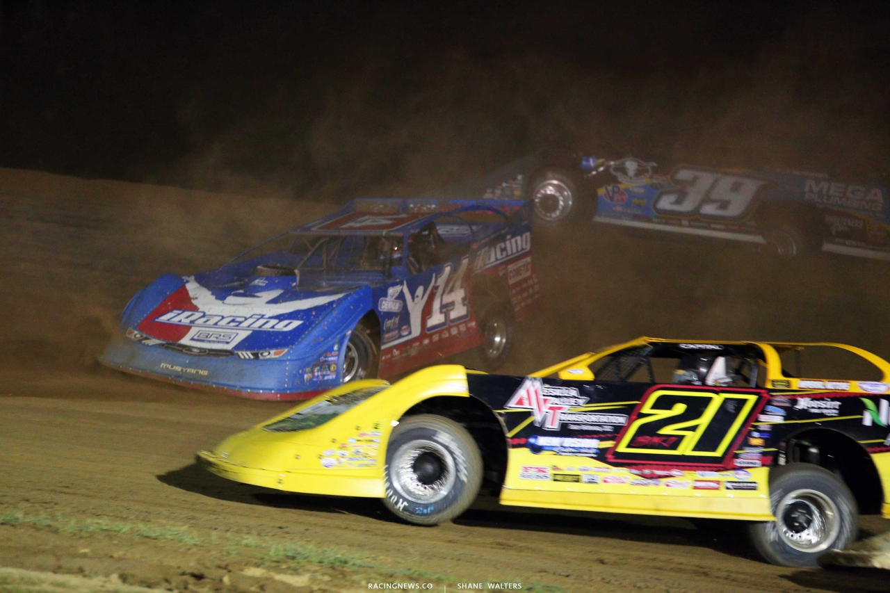 Josh Richards spins at Muskingum County Speedway - Lucas Late Model 7868