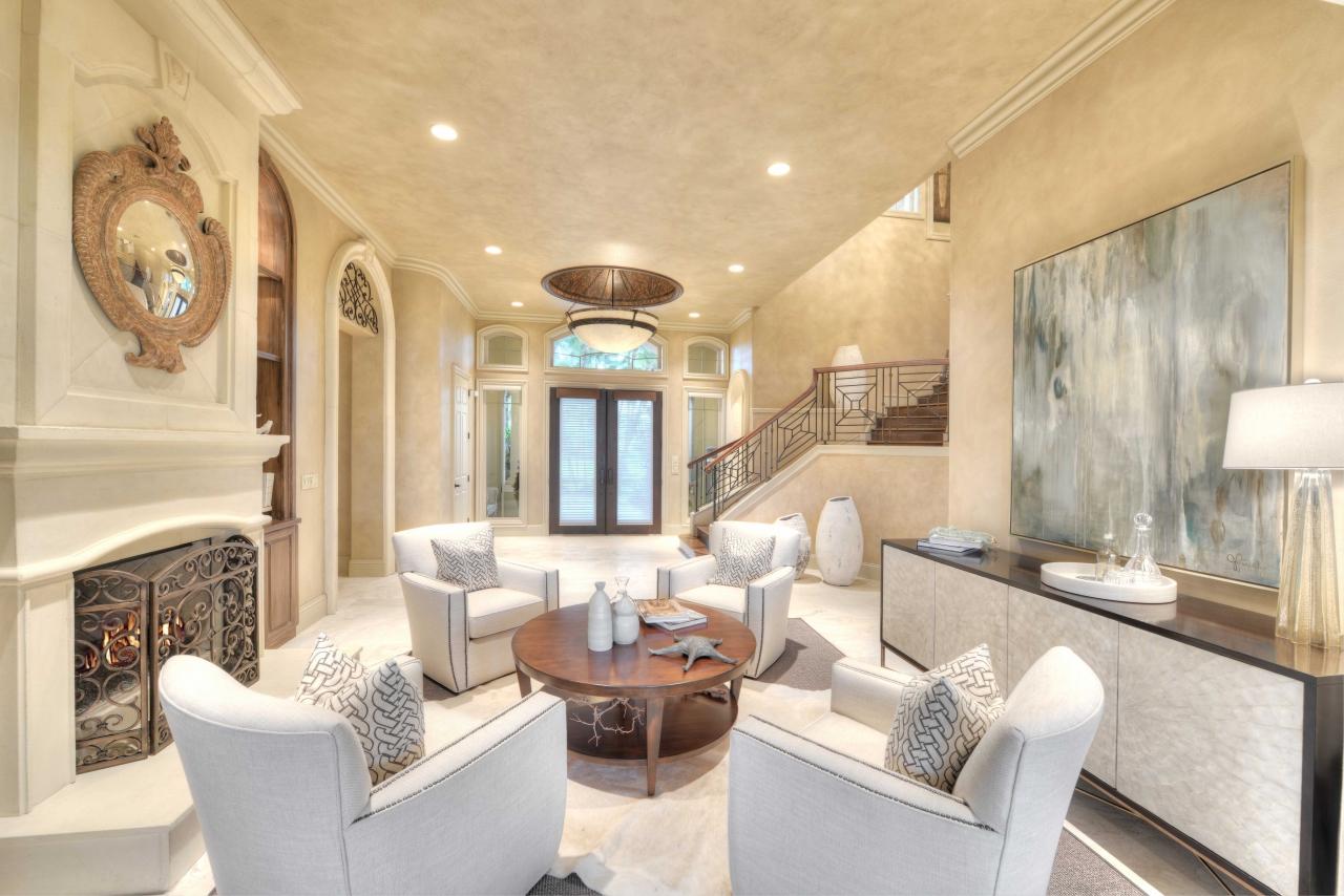 Living room - Childress mansion
