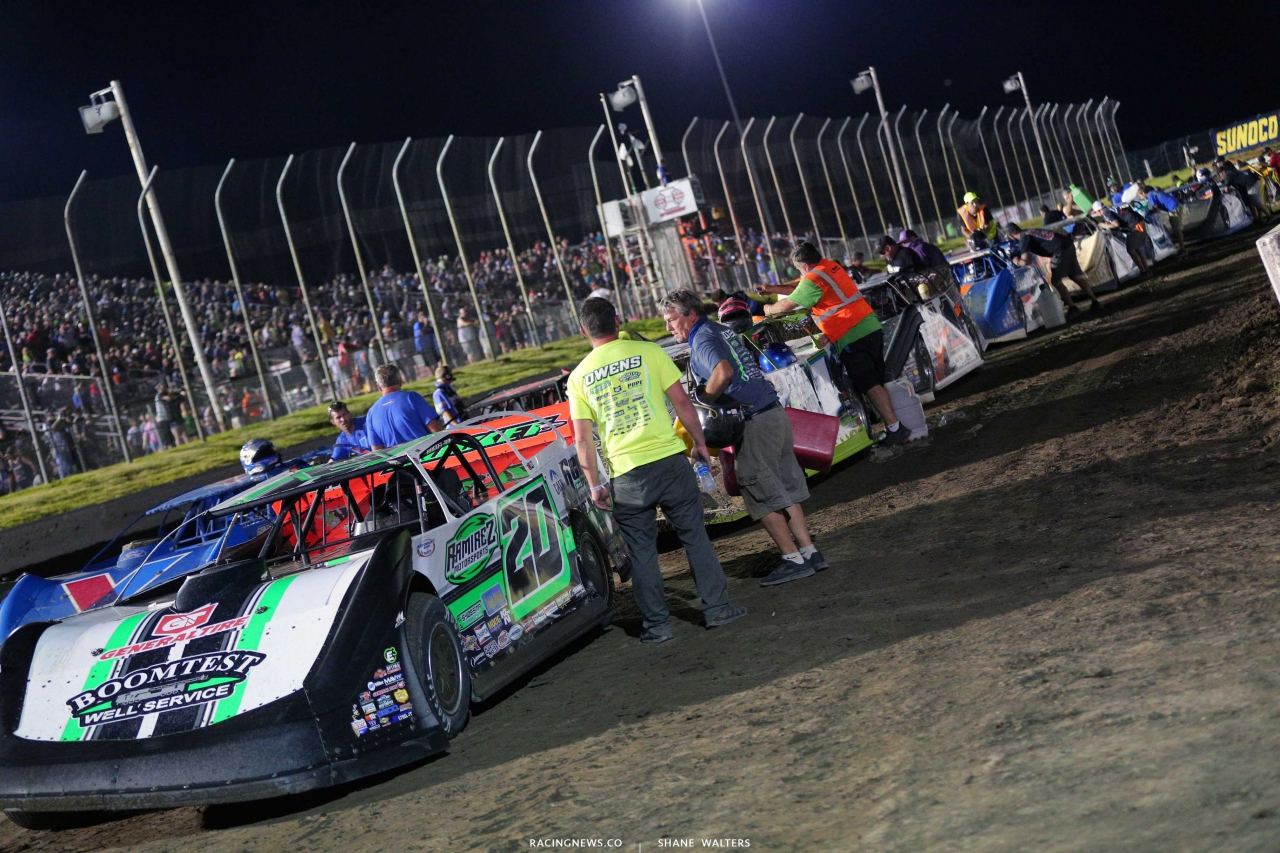 Lucas Oil Late Model Dirt Series fuel stop at I-80 Speedway 0396