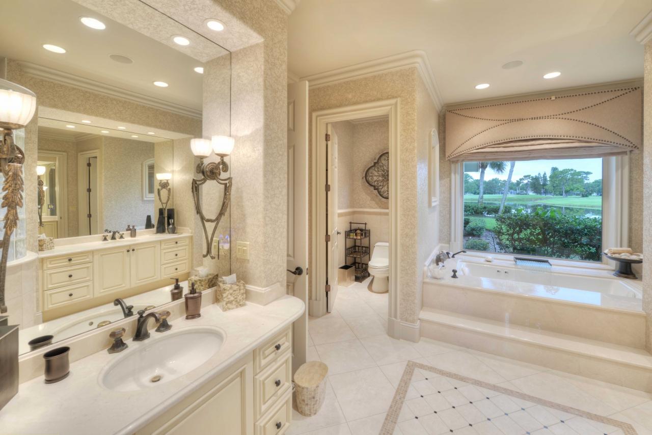 Master Bathroom - Richard Childress home