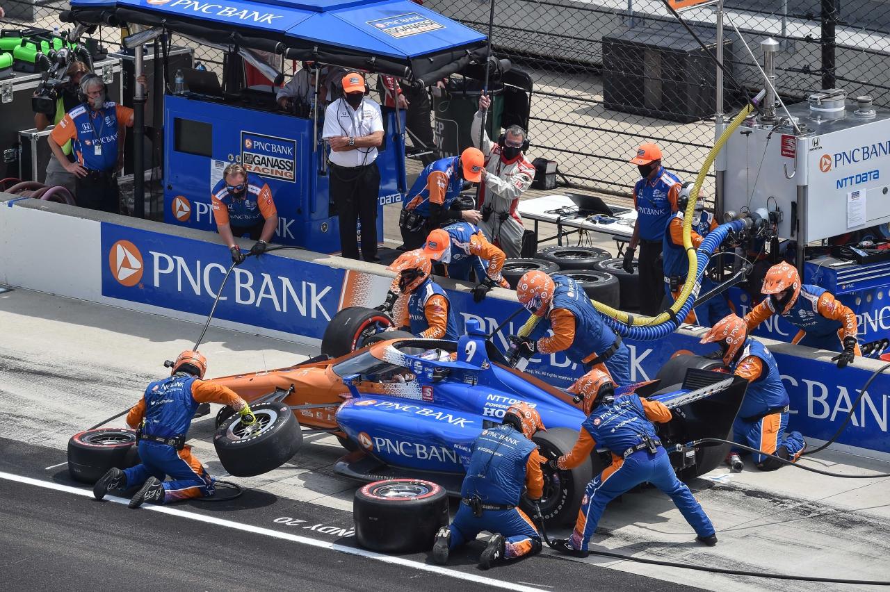 Scott Dixon - INDYCAR pit stop - GMR Grand Prix at Indianapolis