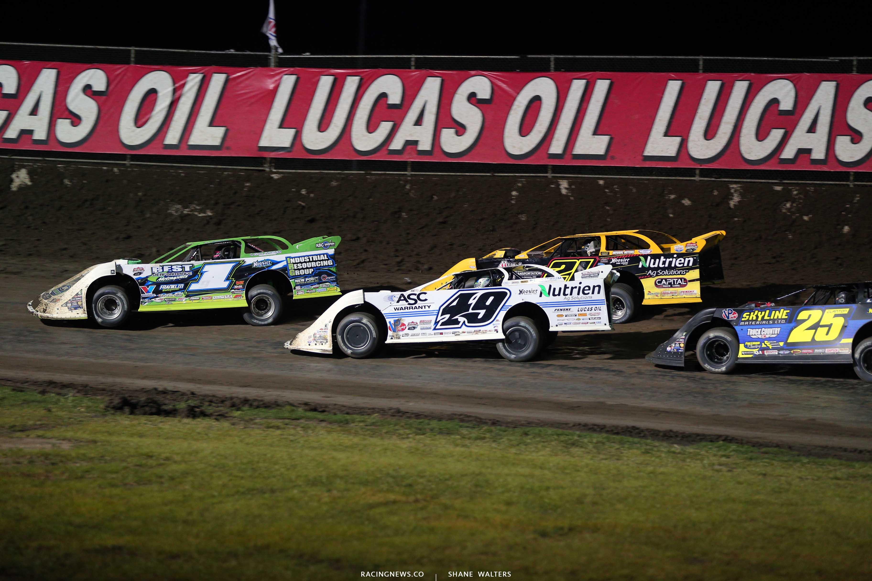 Tyler Erb, Jonathan Davenport and Billy Moyer Jr at Tri-City Speedway - Lucas Oil Late Model Dirt Series 9027