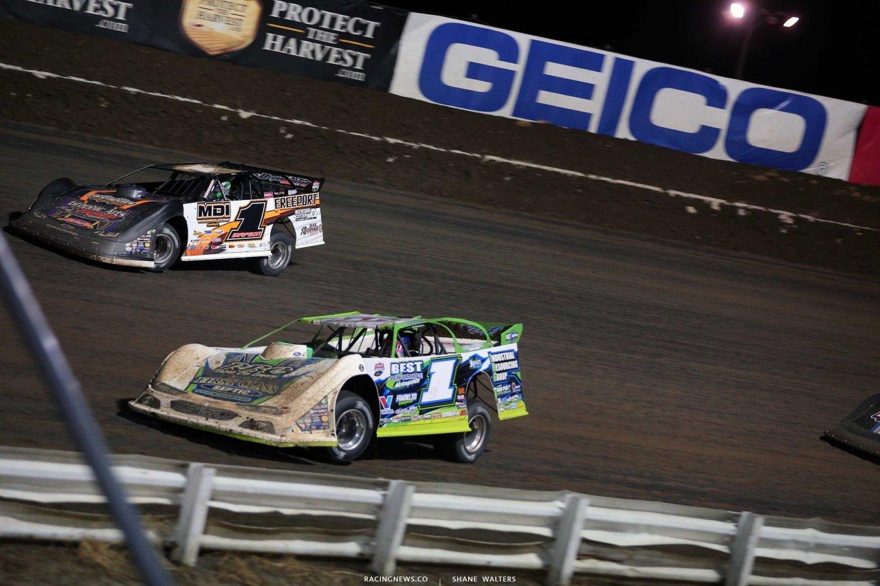 Tyler Erb and Chad Simpson in the Silver Dollar Nationals at I-80 Speedway - Dirt Late Model Racing 0481