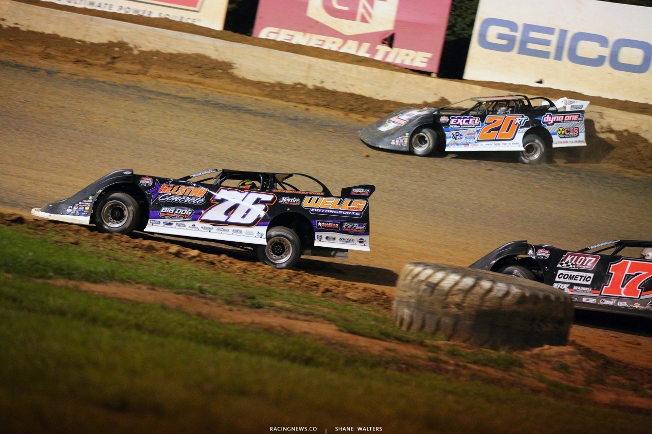 Brandon Overton and Ricky Thornton Jr at Florence Speedway - Dirt Track Racing 1525