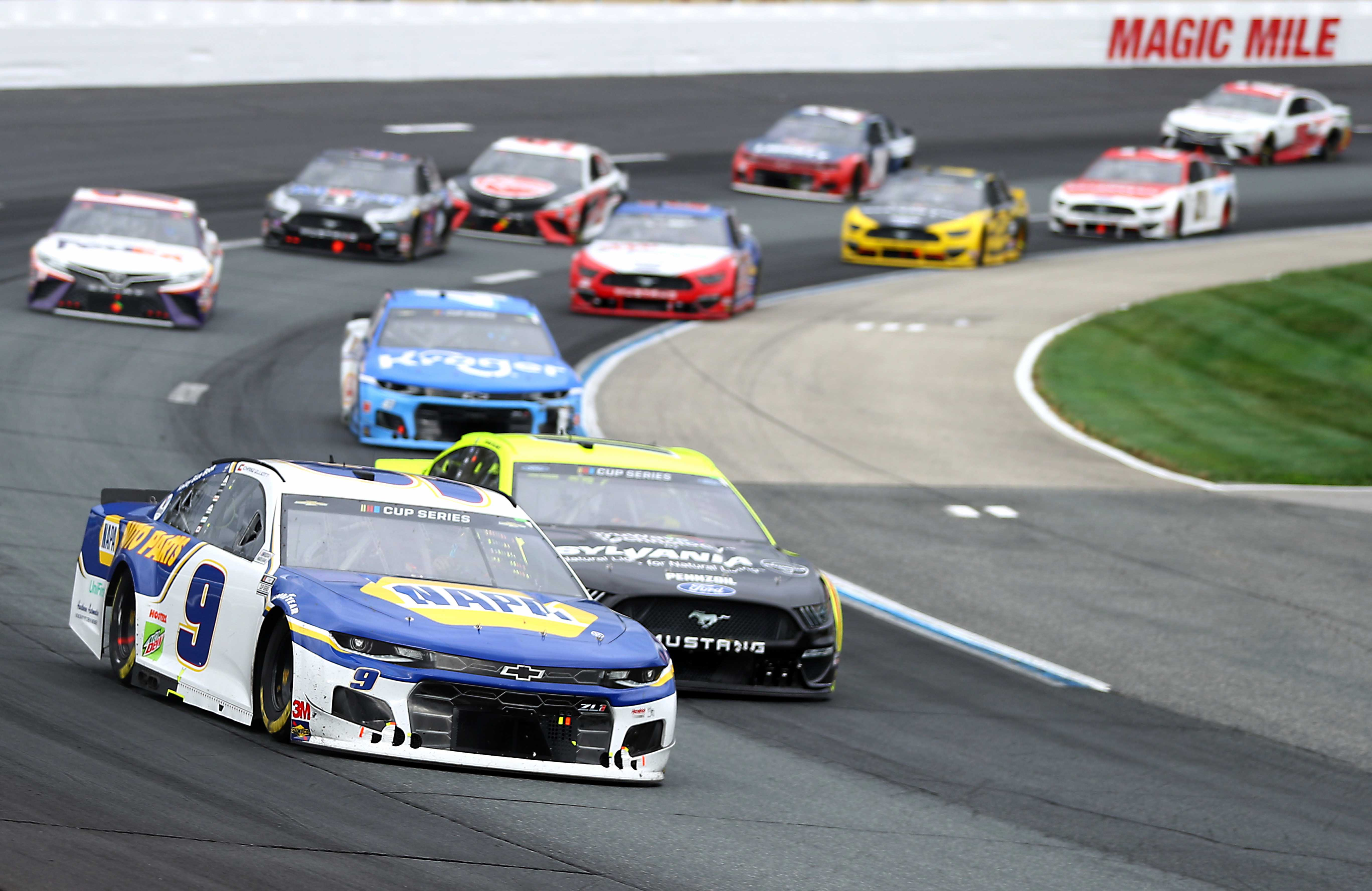 Chase Elliott and Ryan Blaney at New Hampshire Motor Speedway - NASCAR Cup Series