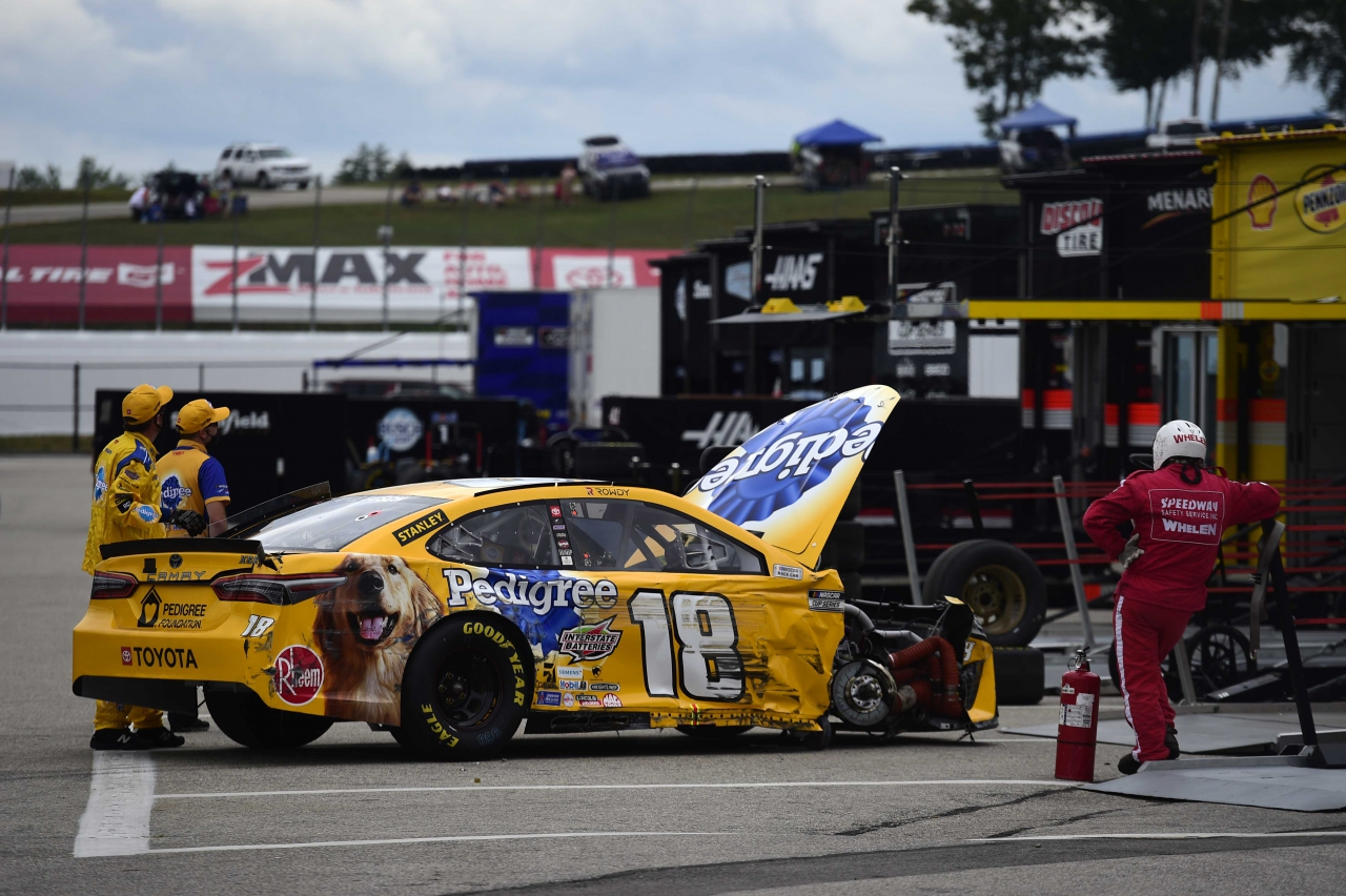 Kyle Busch crash at New Hampshire Motor Speedway - NASCAR Cup Series