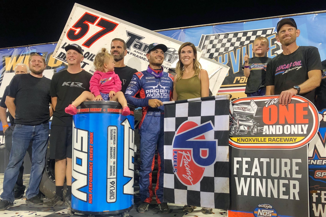 Kyle Larson in victory lane at Knoxville Raceway - World of Outlaws
