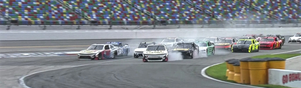 Comical NASCAR: Top 7 cars miss turn one on Daytona Road Course (Video)