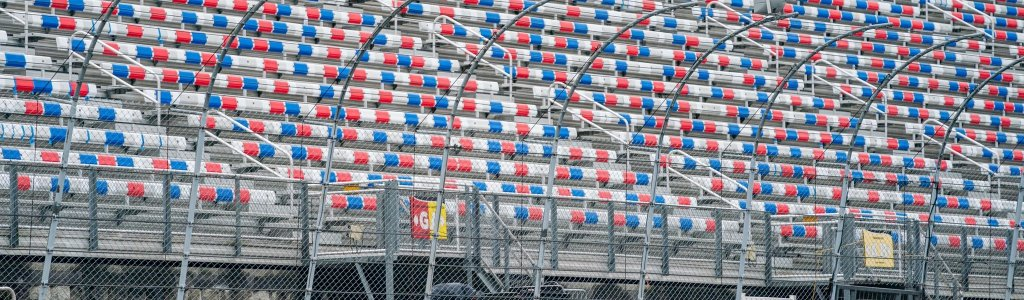 Bristol Motor Speedway reaches capacity for NASCAR dirt race