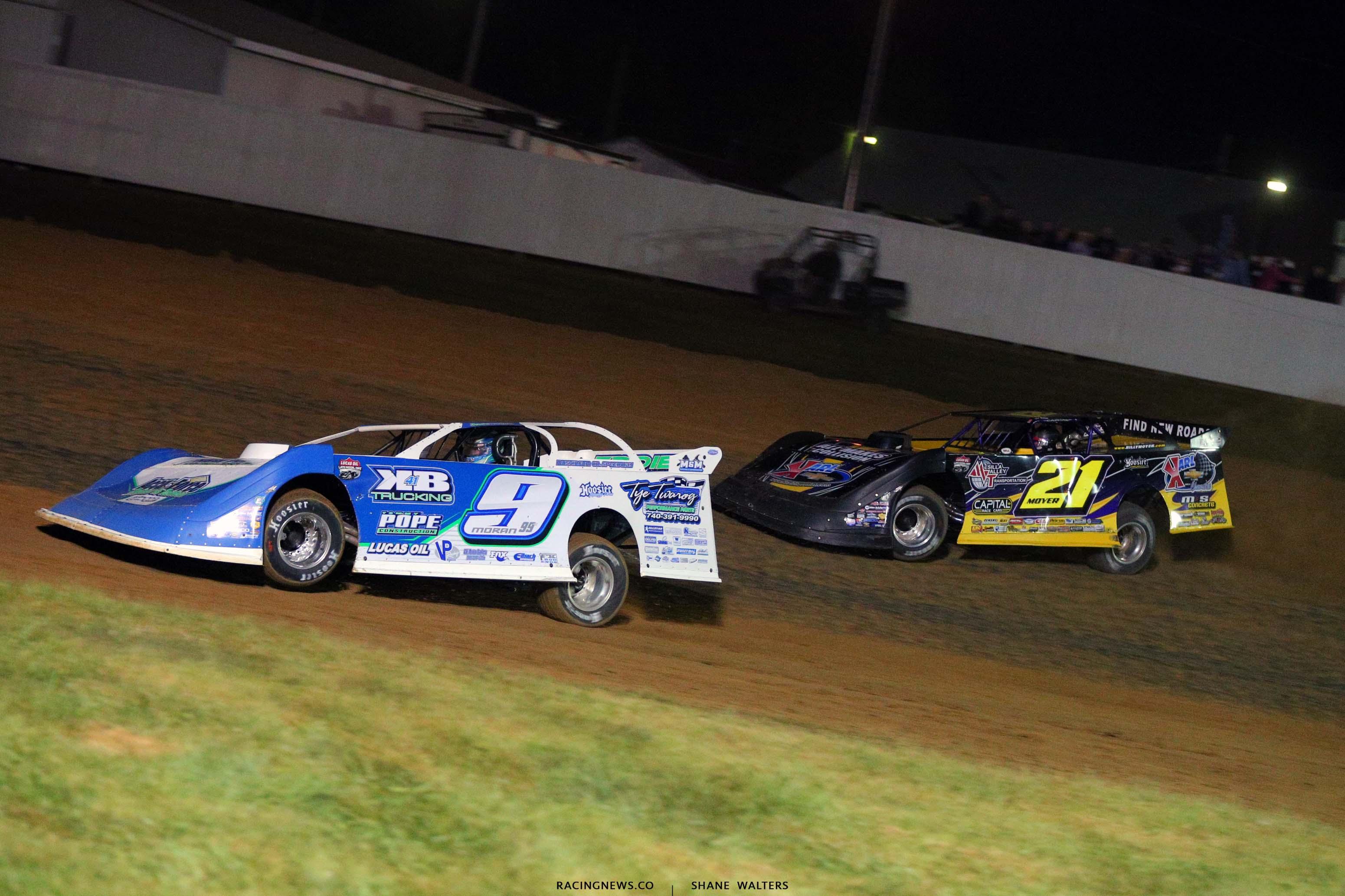 Devin Moran and Billy Moyer Sr at Brownstown Speedway - Dirt Track Raicng - Lucas Dirt 4189