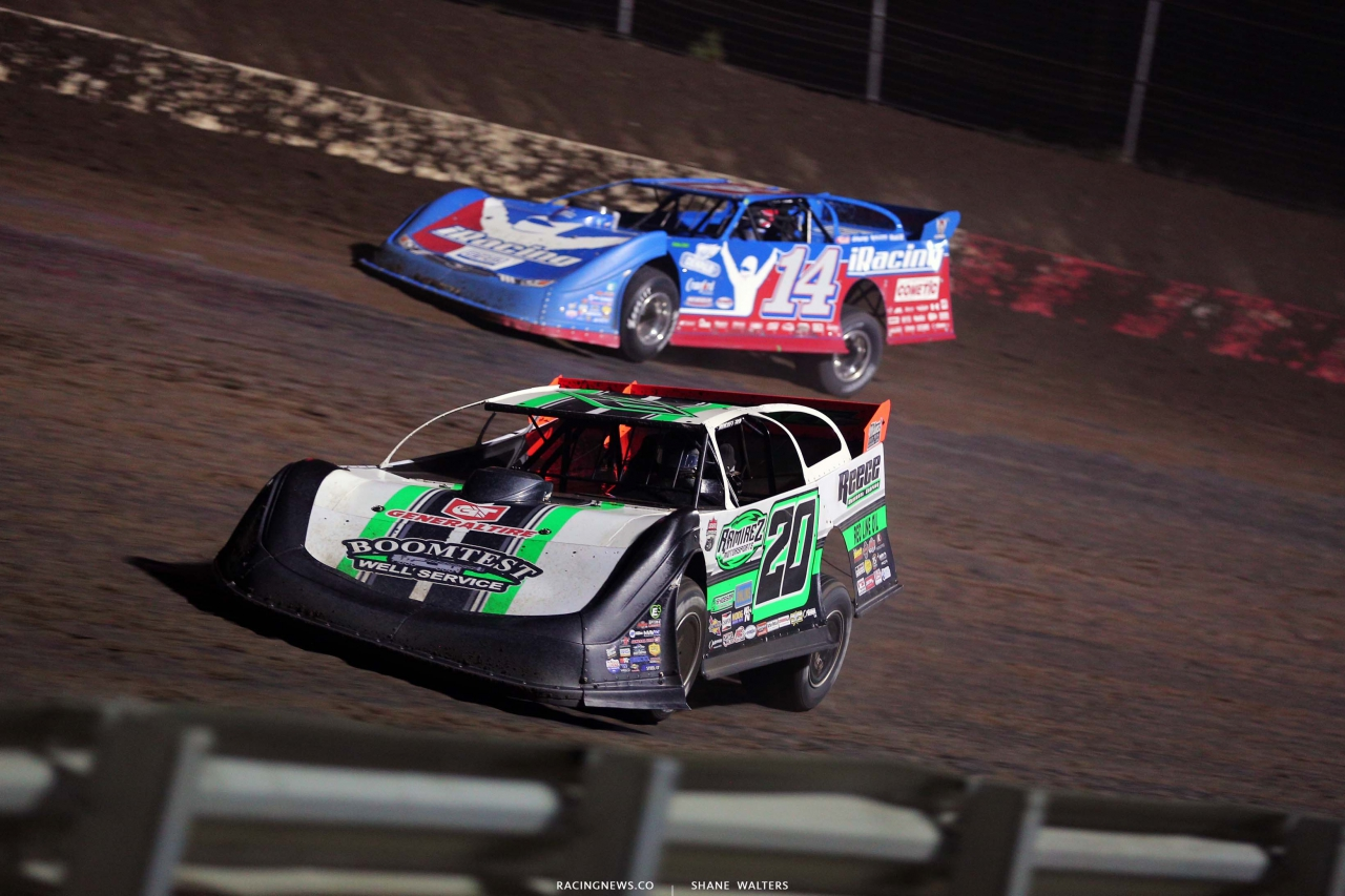 Jimmy Owens and Josh Richards at I-80 Speedway - Lucas Series 4003