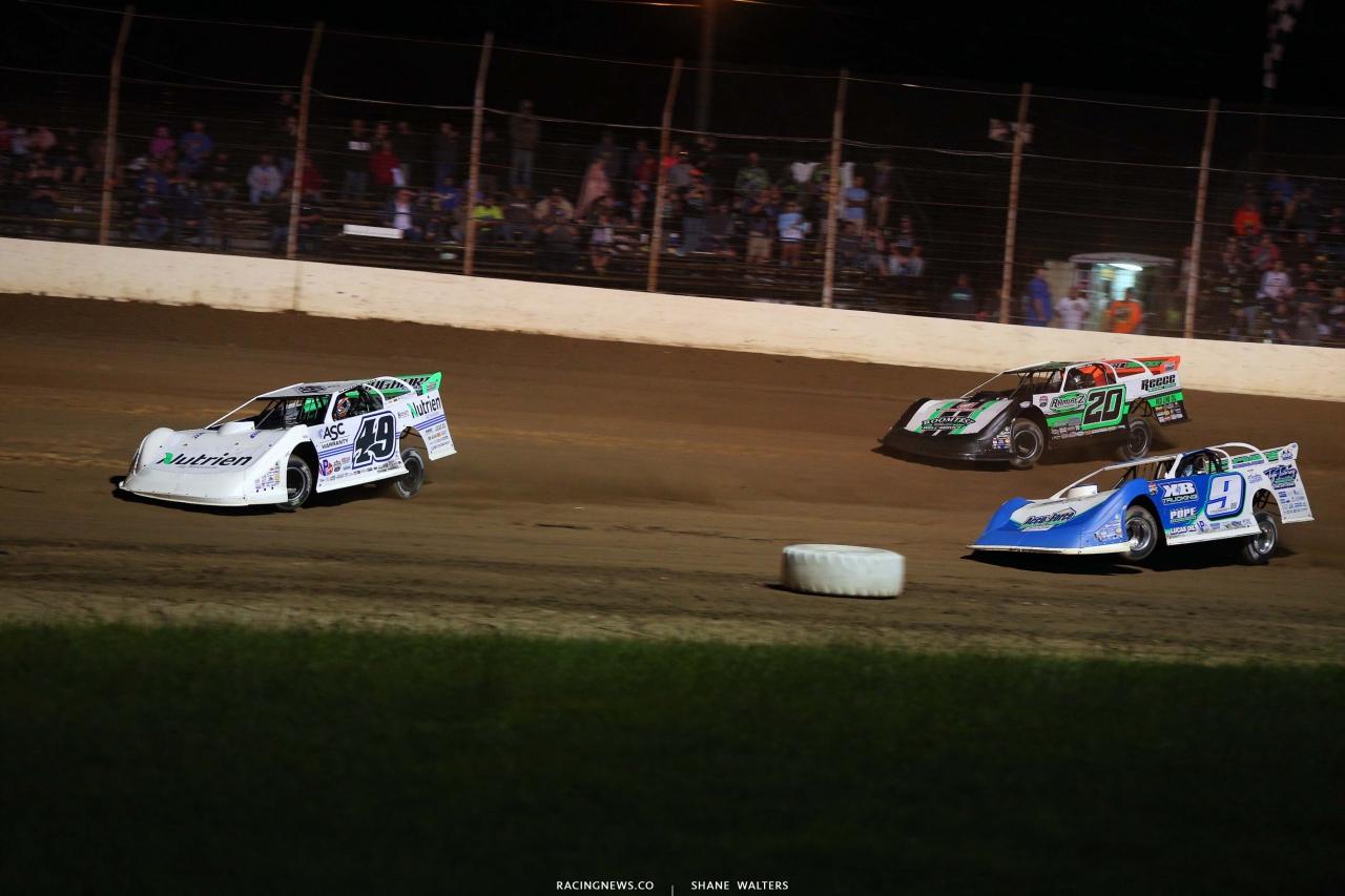 Jonathan Davenport, Jimmy Owens and Devin Moran at Portsmouth Raceway Park - Lucas Dirt 3210
