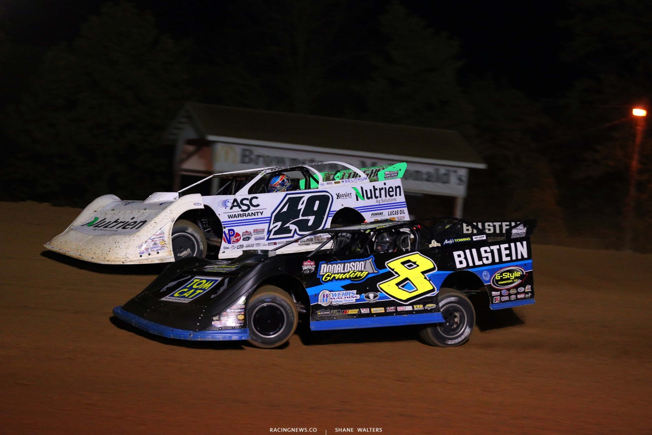 Jonathan Davenport and Kyel Strickler at Brownstown Speedway - Dirt Late Model Racing 4403