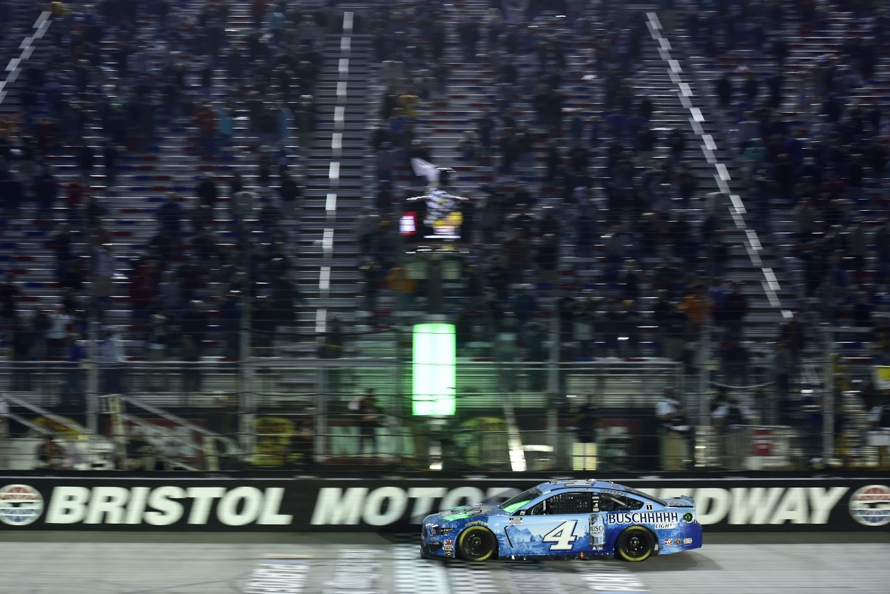 Kevin Harvick wins at Bristol Motor Speedway - NASCAR Cup Series