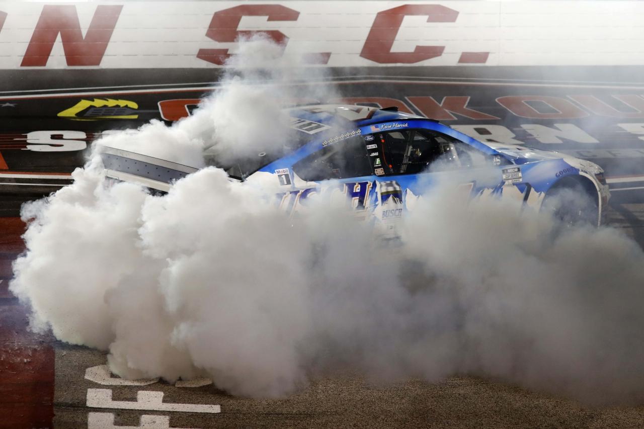 Kevin Harvick wins at Darlington Raceway - NASCAR Cup Series - Burnout