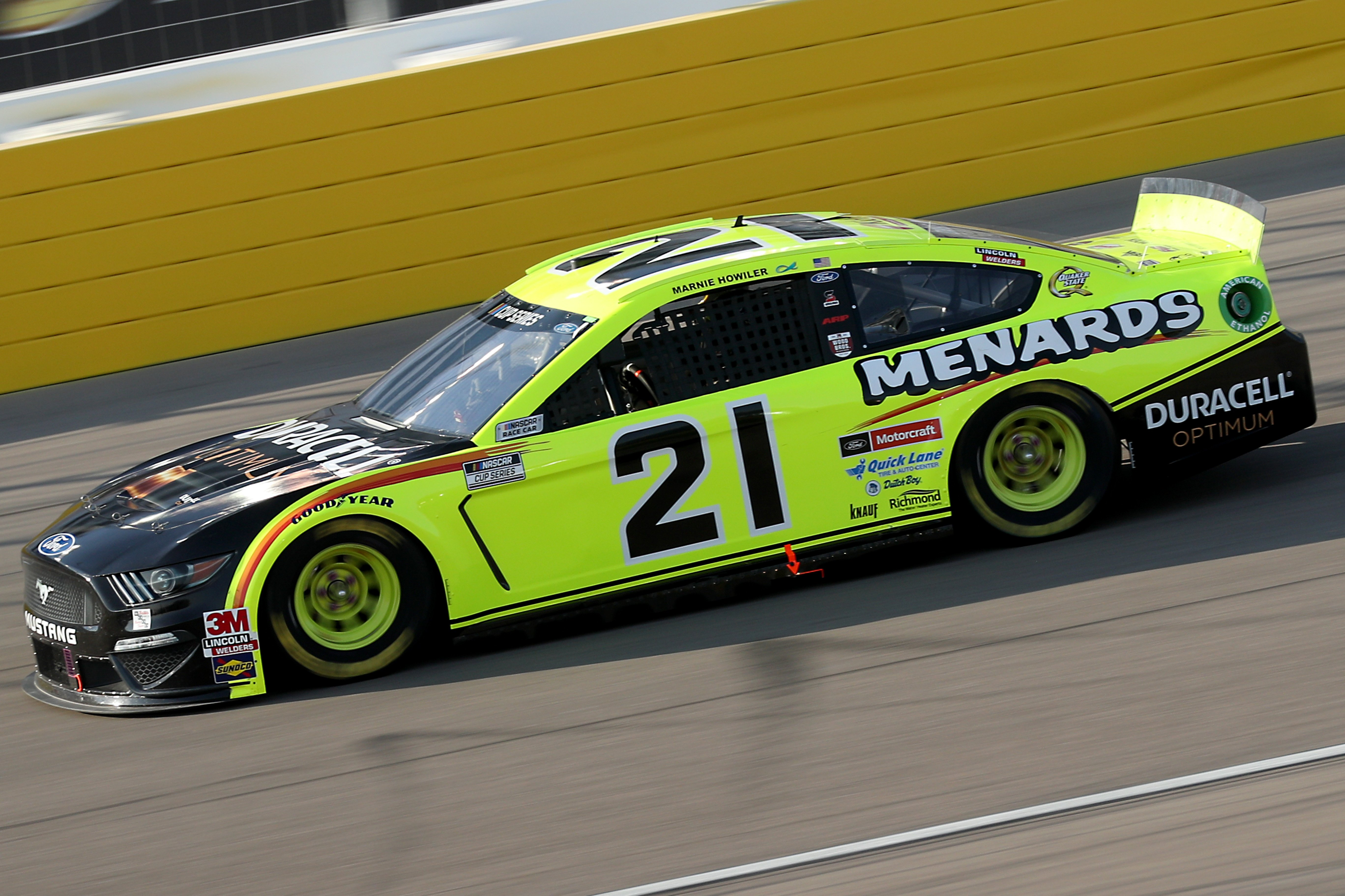 Matt DiBenedetto at Las Vegas Motor Speedway - NASCAR Cup Series