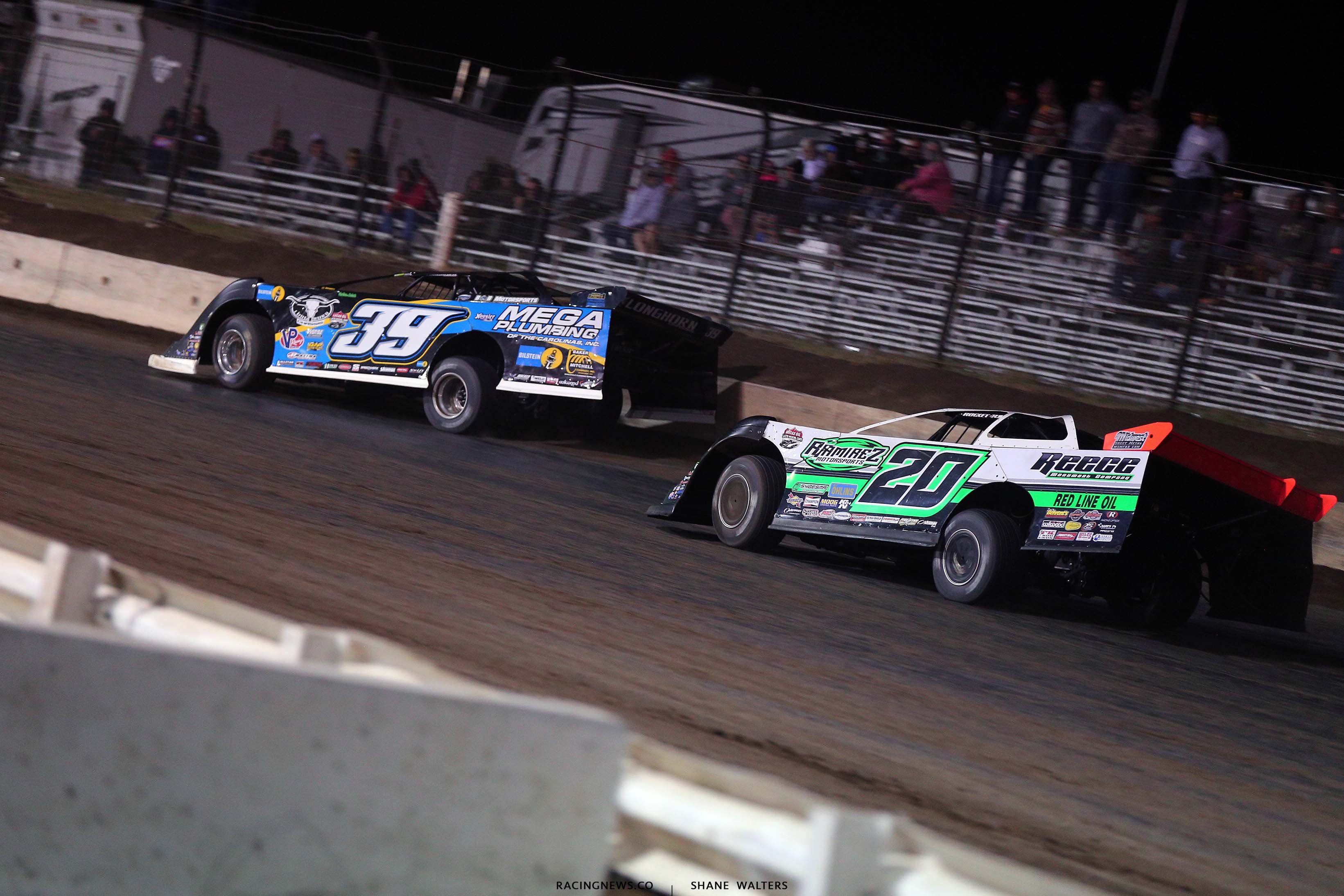 Tim McCreadie and Jimmy Owens at I-80 Speedway - Lucas Oil Late Model Dirt Series 4097