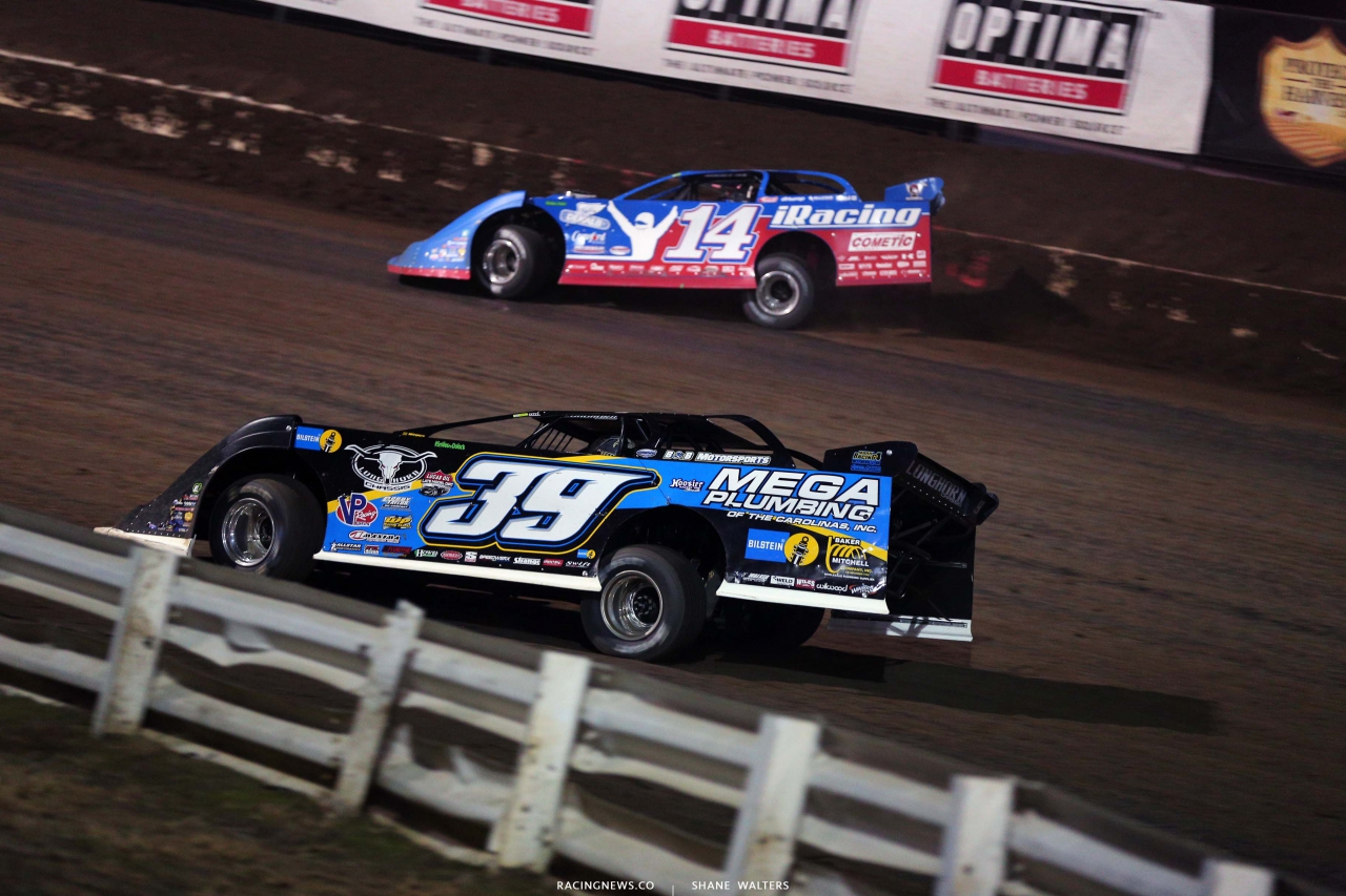 Tim McCreadie and Josh Richards in the I-80 Nationals- Lucas Oil Late Model Dirt Series 4039