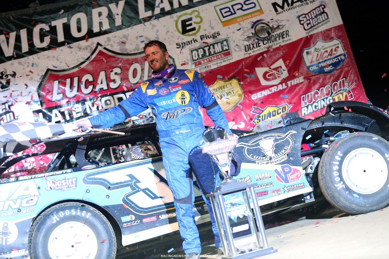 Tim McCreadie in victory lane at Brownstown Speedway - Lucas Oil Late Model Series - Jackson 100 Winner 4737