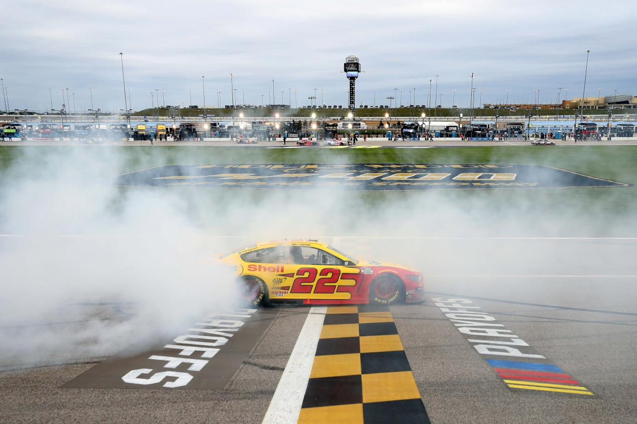 Joey Logano wins at Kansas Speedway - NASCAR Cup Series