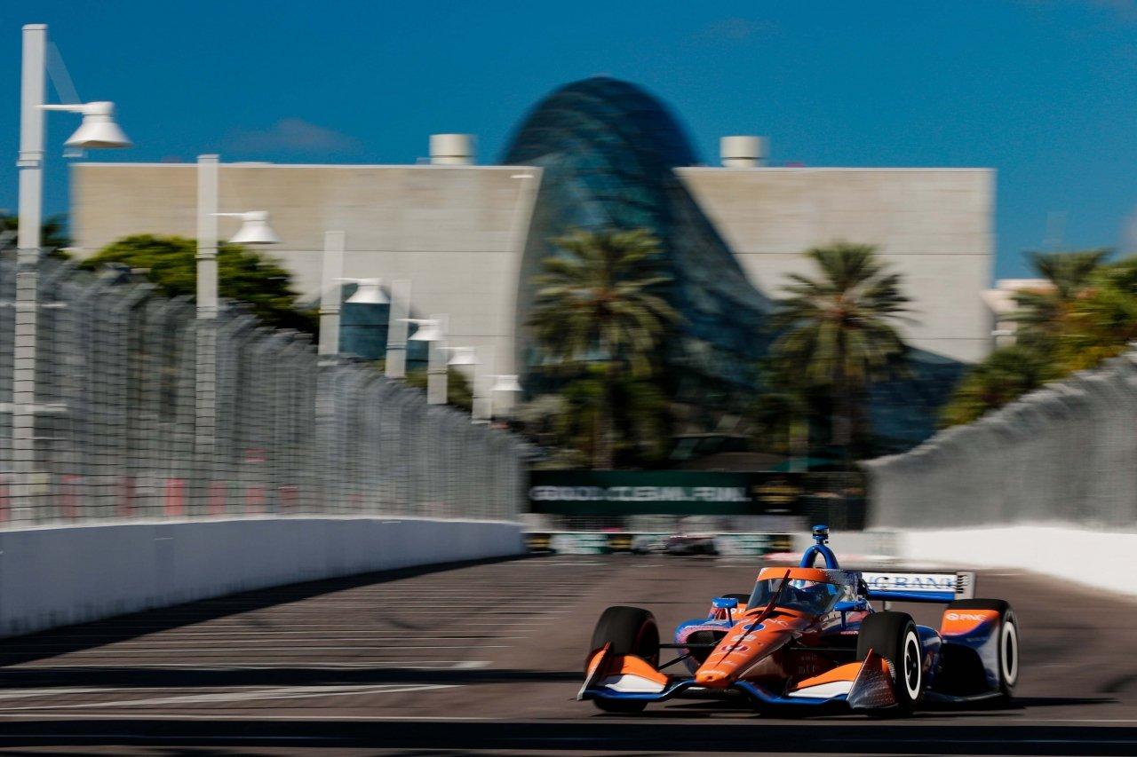 Scott Dixon on the Street of St Petersburg - Indycar Series