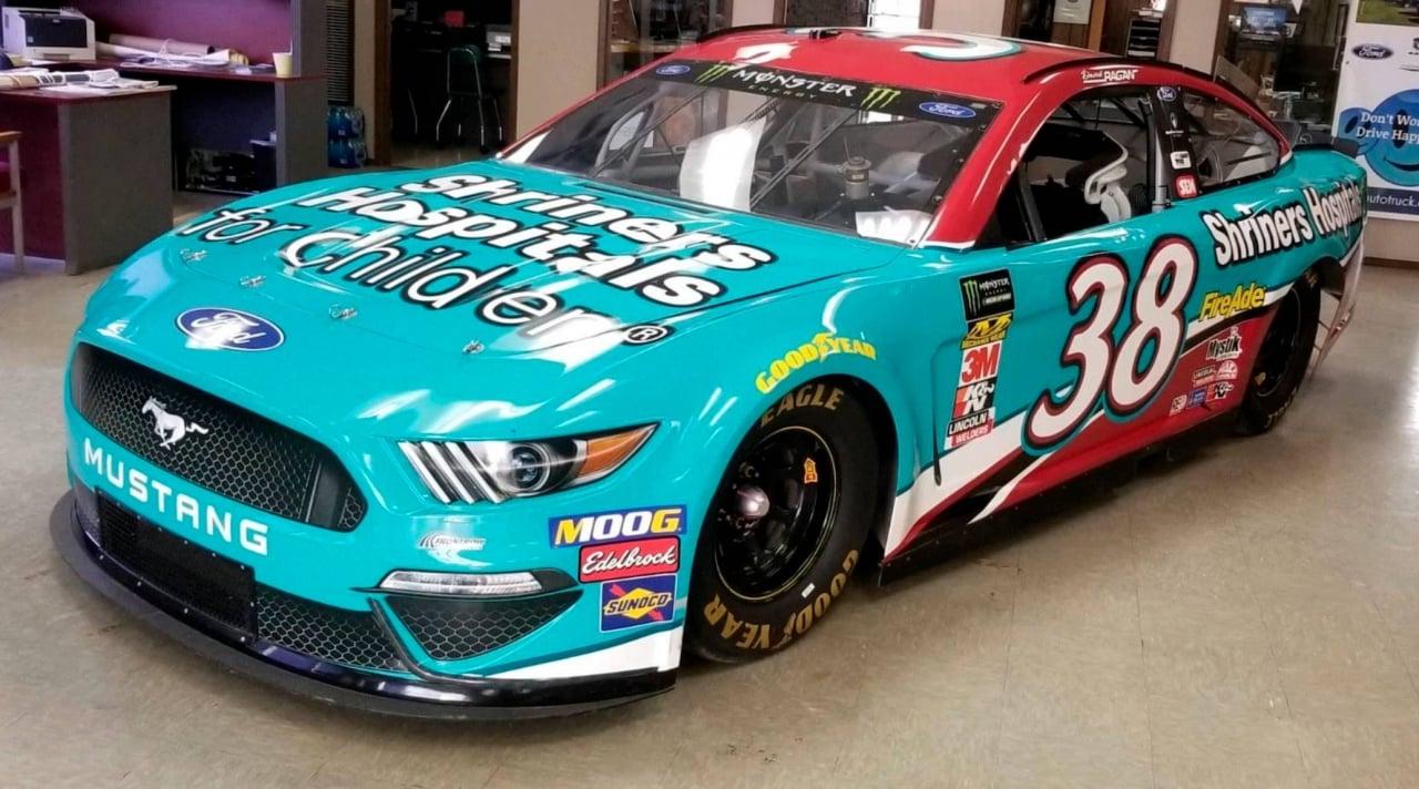 2019 NASCAR Cup Series car - Auction