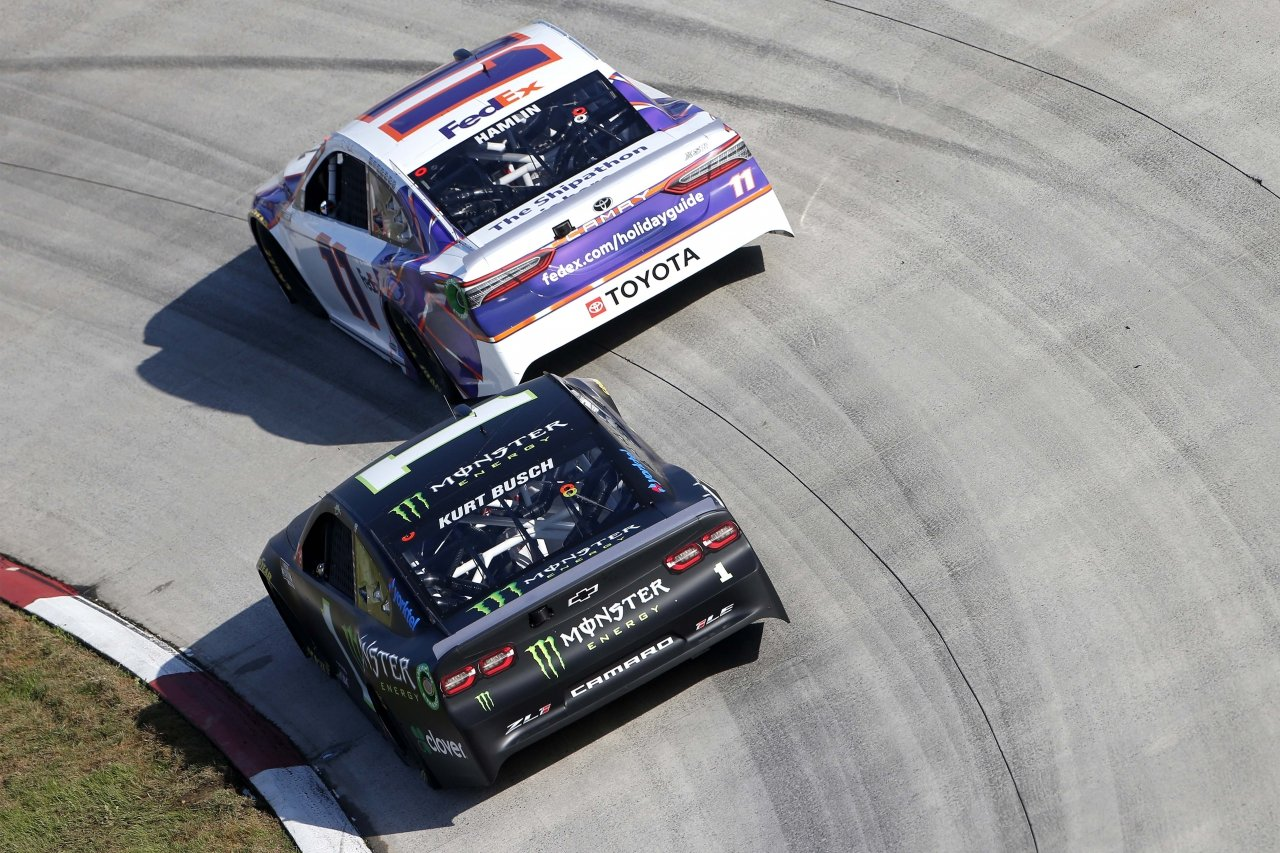 Denny Hamlin and Kurt Busch at Martinsville Speedway - NASCAR Cup Series