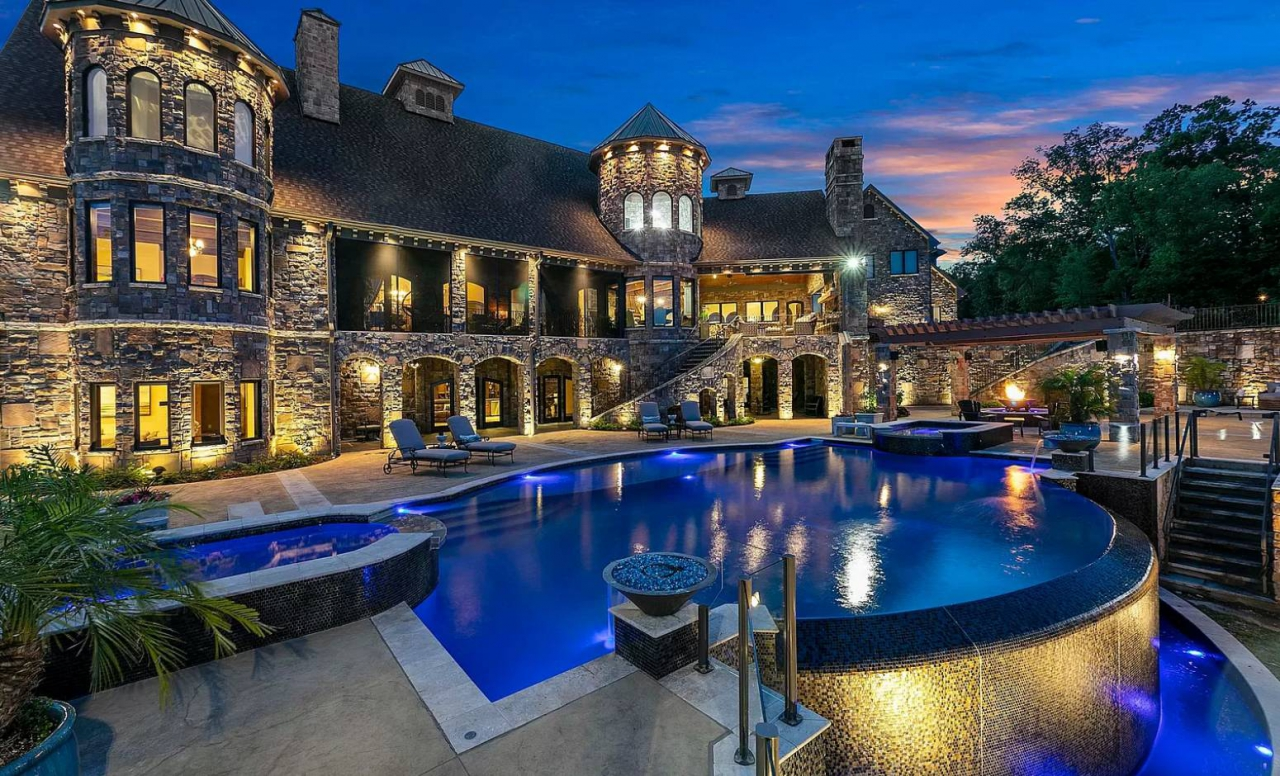 Tennessee mansion for sale