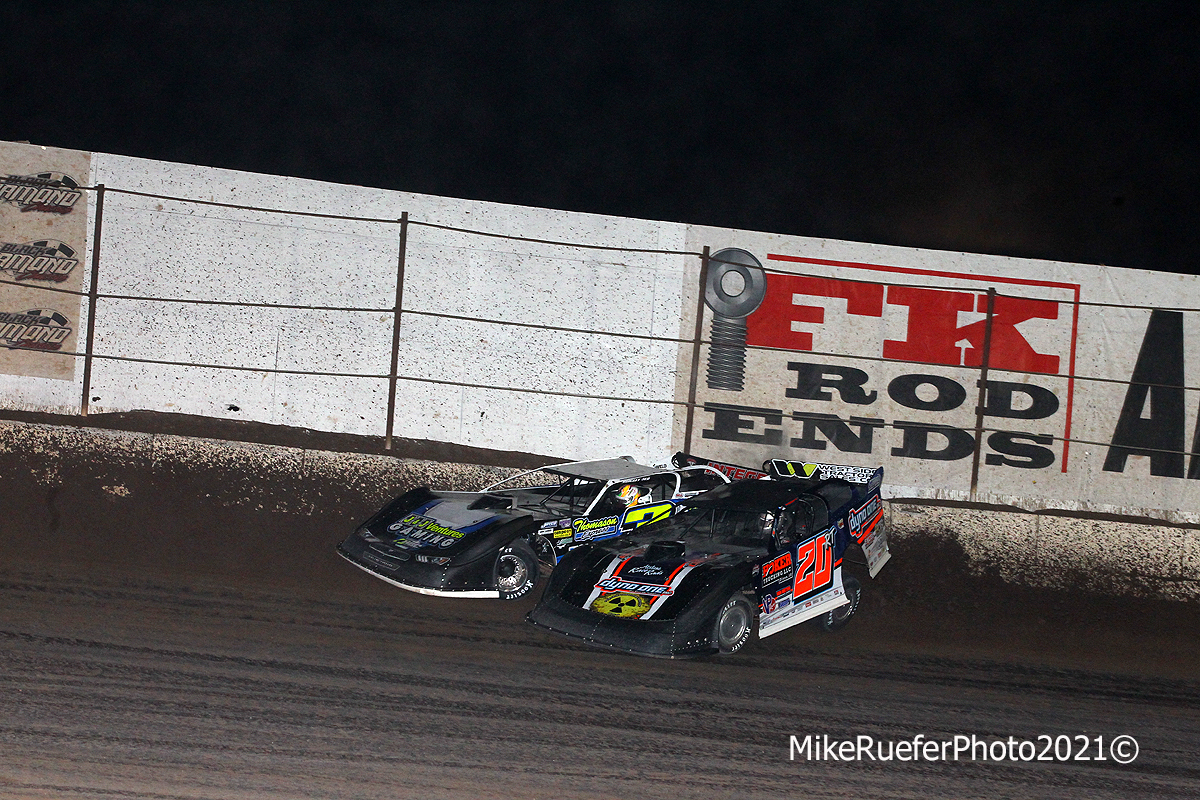 Brian Shirley and Ricky Thornton Jr - Dirt late model crash - Wild West Shootout