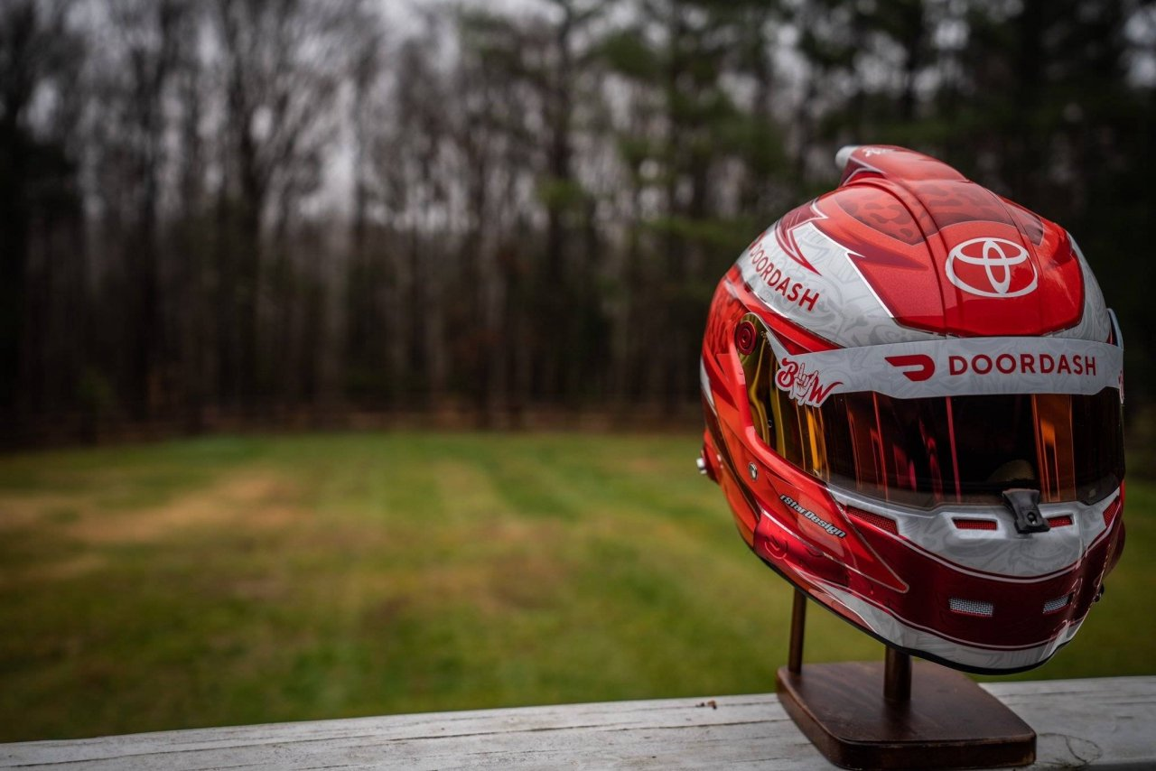 Bubba Wallace - Doordash helmet