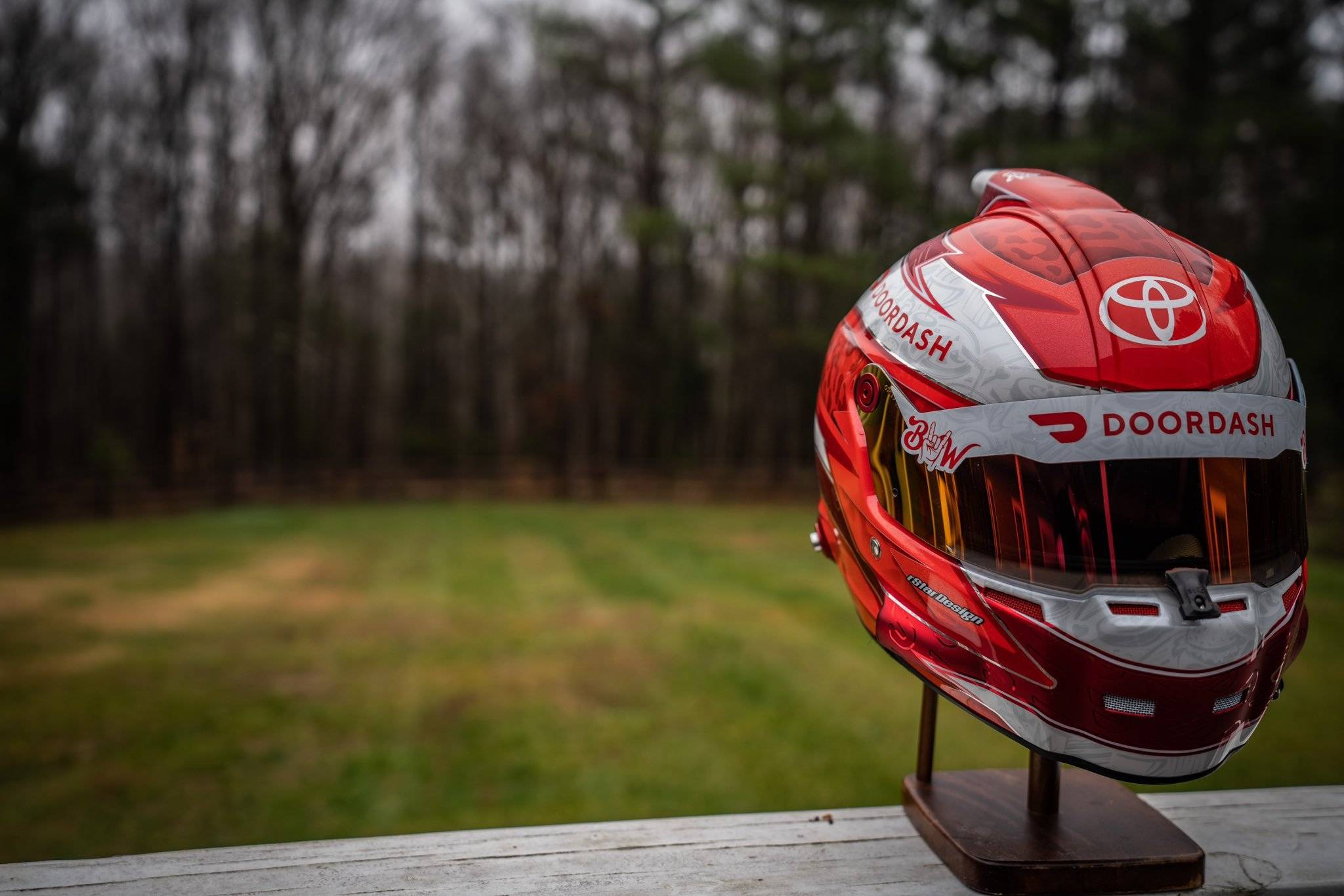 Bubba Wallace - Doordash helmet