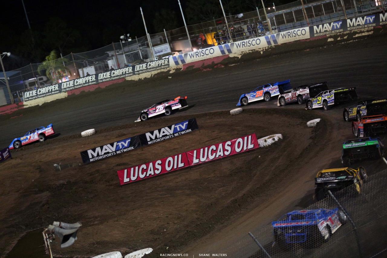 Josh Richards leads at East Bay Raceway Park - Lucas Oil Late Models 8369