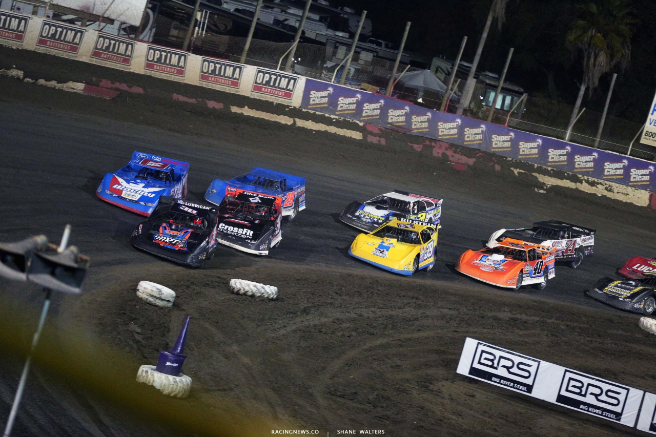 Mark Whitener leads Josh Richards, Brandon Overton, Dennis Erb Jr, Tim McCreadie, Brian Shirley, Kyle Bronson and Hudson O'Neal at East Bay Raceway Park - LOLMDS 8272