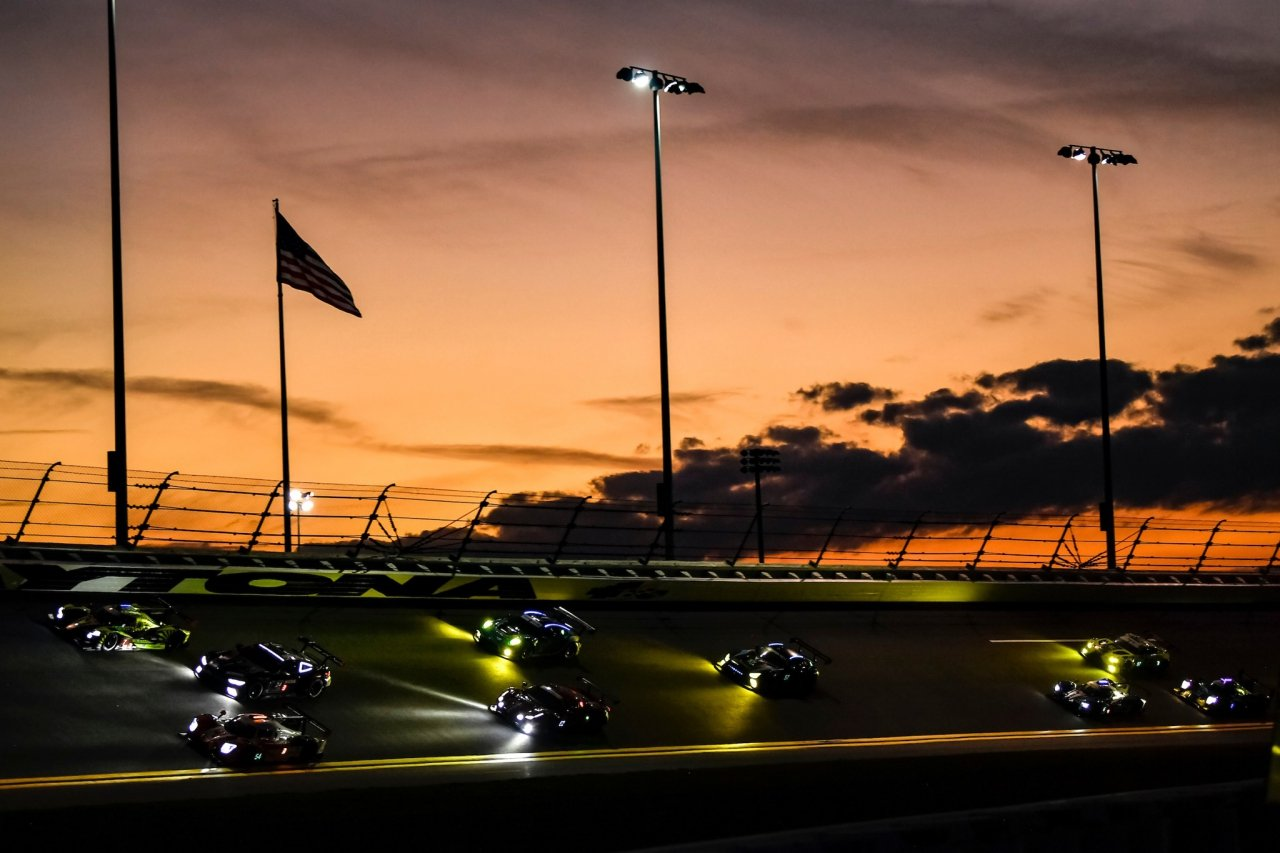 Rolex 24 at sunrise