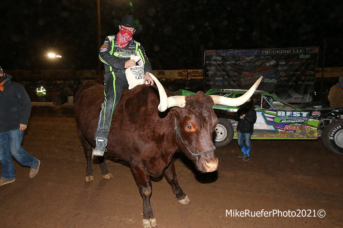 Tyler Erb rides the Bull in the Wild West Shootout