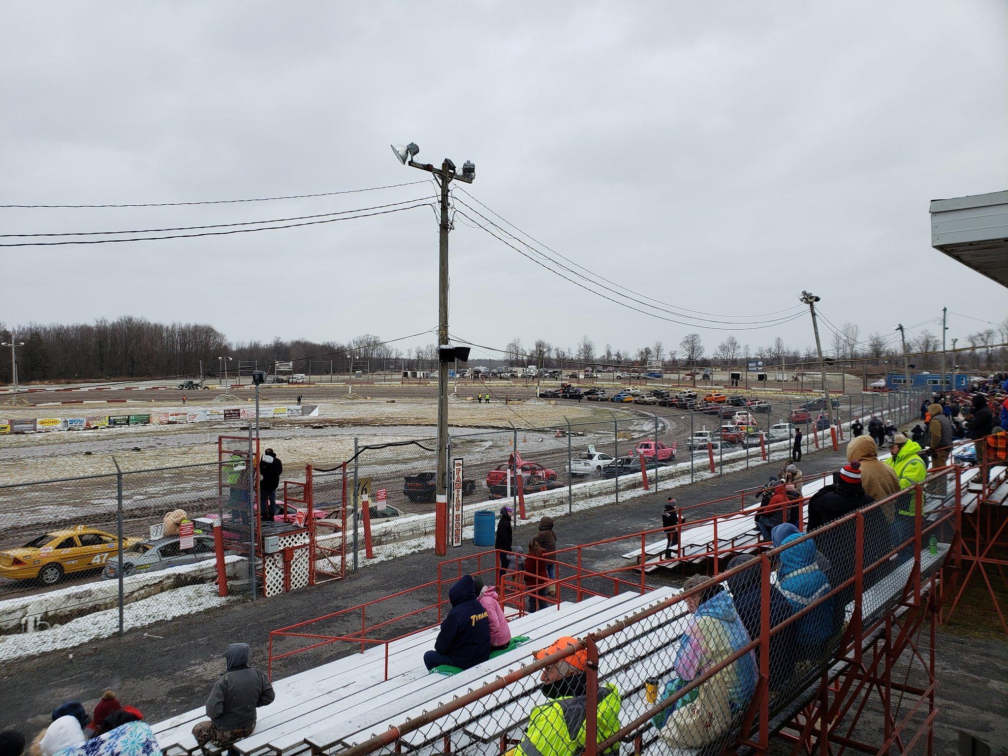 Utica Rome Speedway - Dirt Track Racing