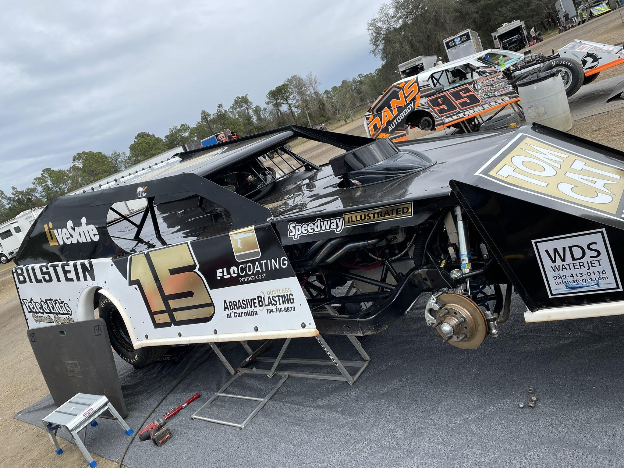 Joey Logano - No 15 dirt modified - Volusia Speedway Park - DIRTcar UMP