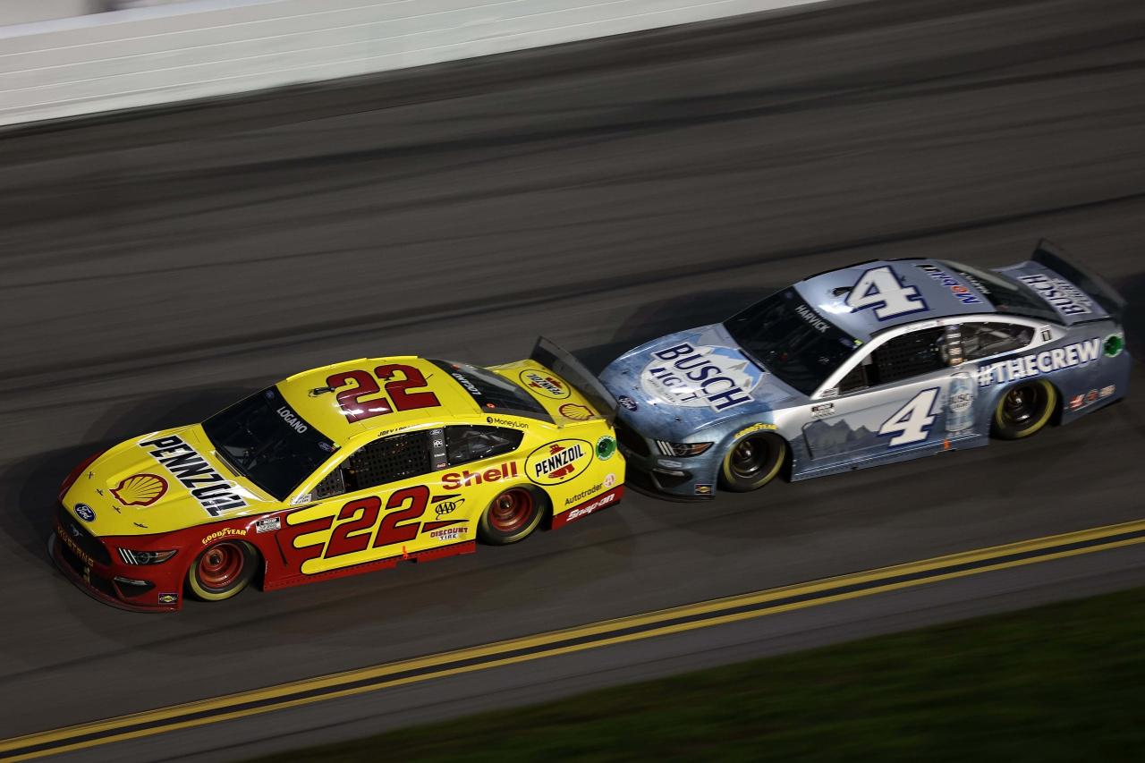 Joey Logano and Kevin Harvick - Daytona 500 - NASCAR Cup Series