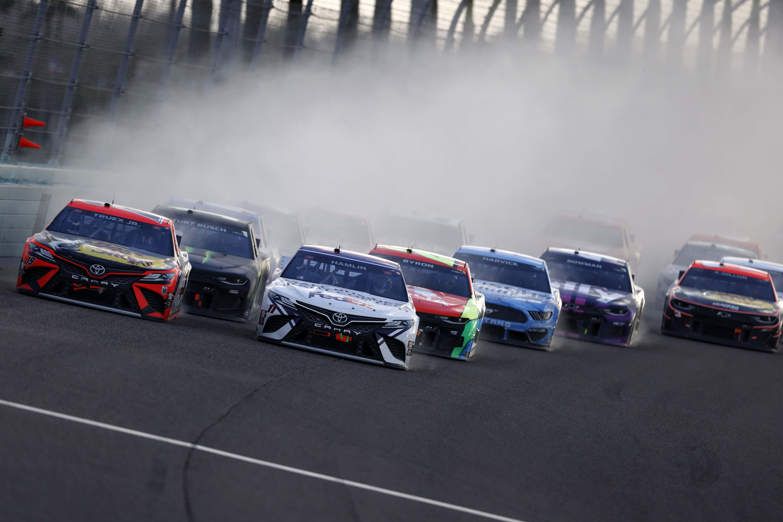 NASCAR Cup Series at Homestead-Miami Speedway - Denny Hamlin, Martin Truex Jr
