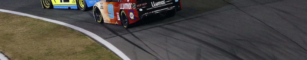 Chase Elliott, Ryan Blaney crash in final corner of Clash at Daytona (Video)