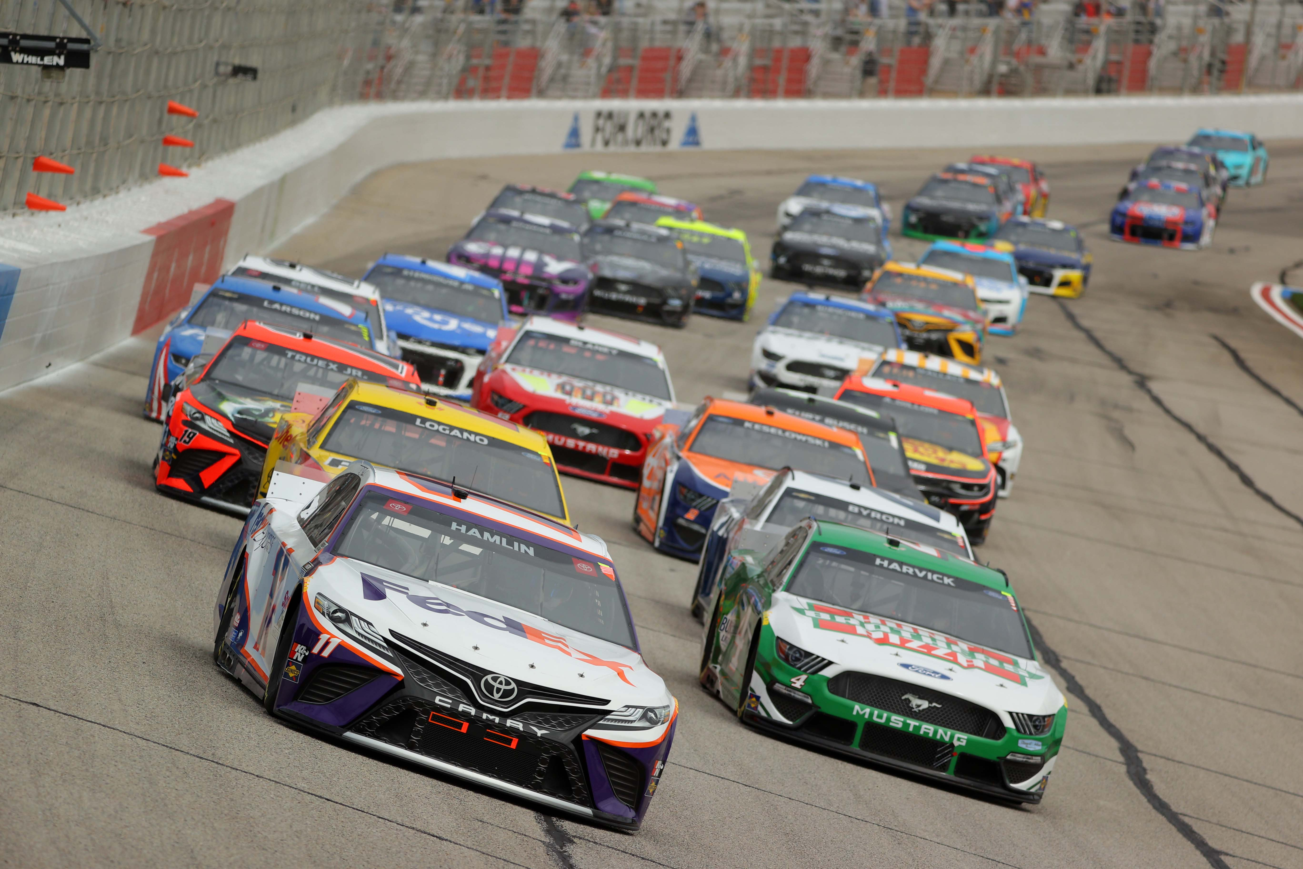 Denny Hamlin, Kevin Harvick - NASCAR Cup Series at Atlanta Motor Speedway