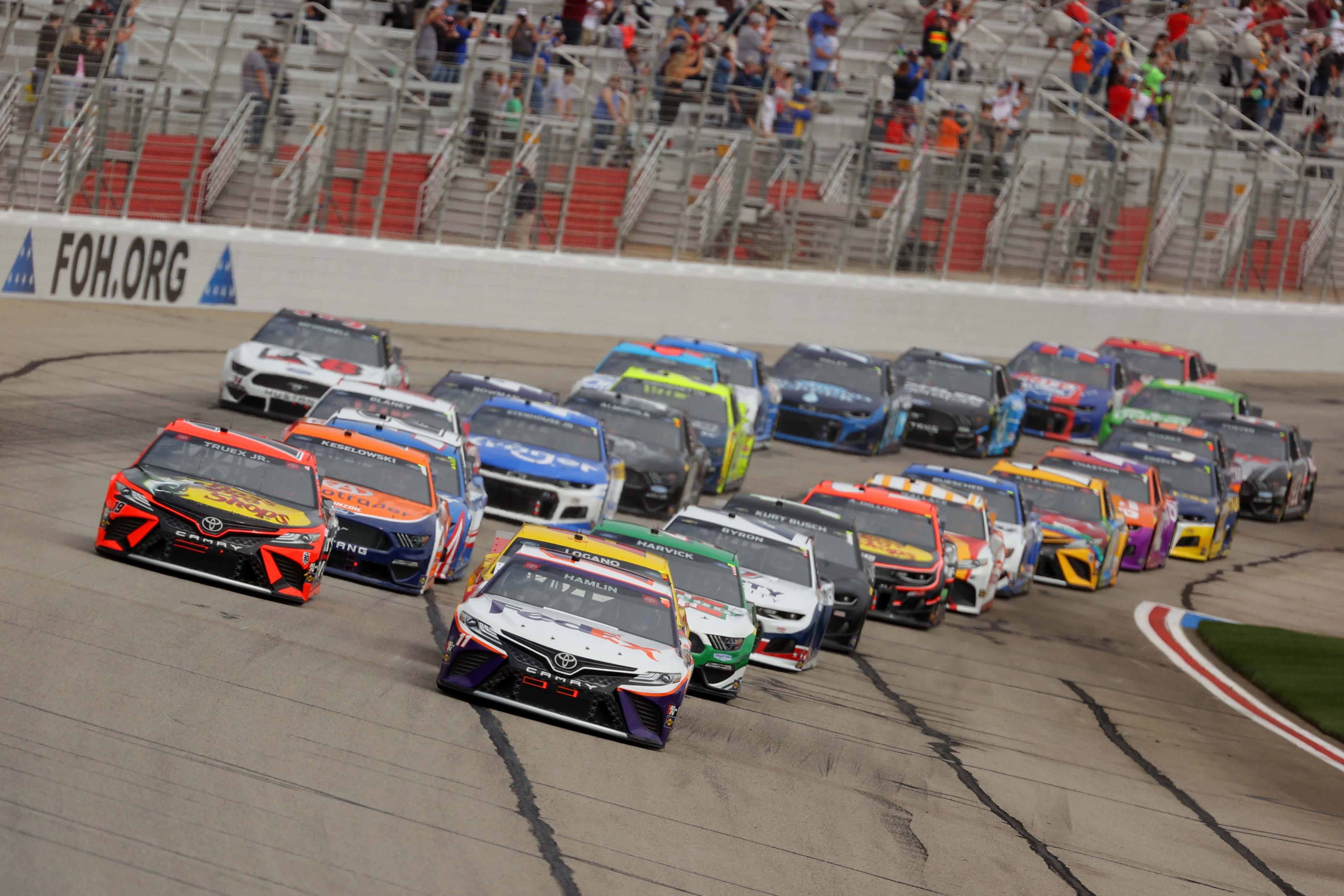 Denny Hamlin, Martin Truex Jr - Atlanta Motor Speedway - NASCAR Cup Series