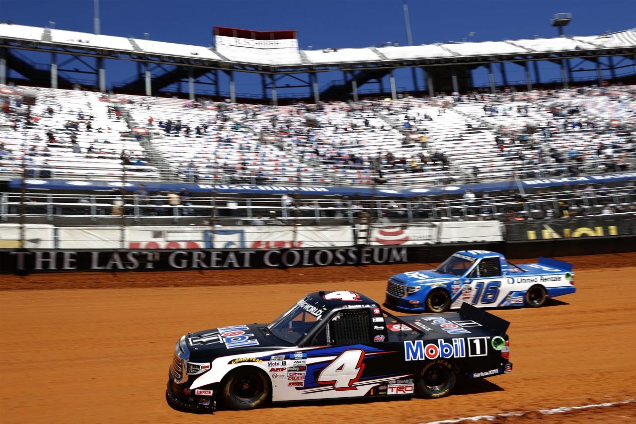 John Hunter Nemechek and Austin Hill - Bristol Motor Speedway dirt track - NASCAR Truck Series