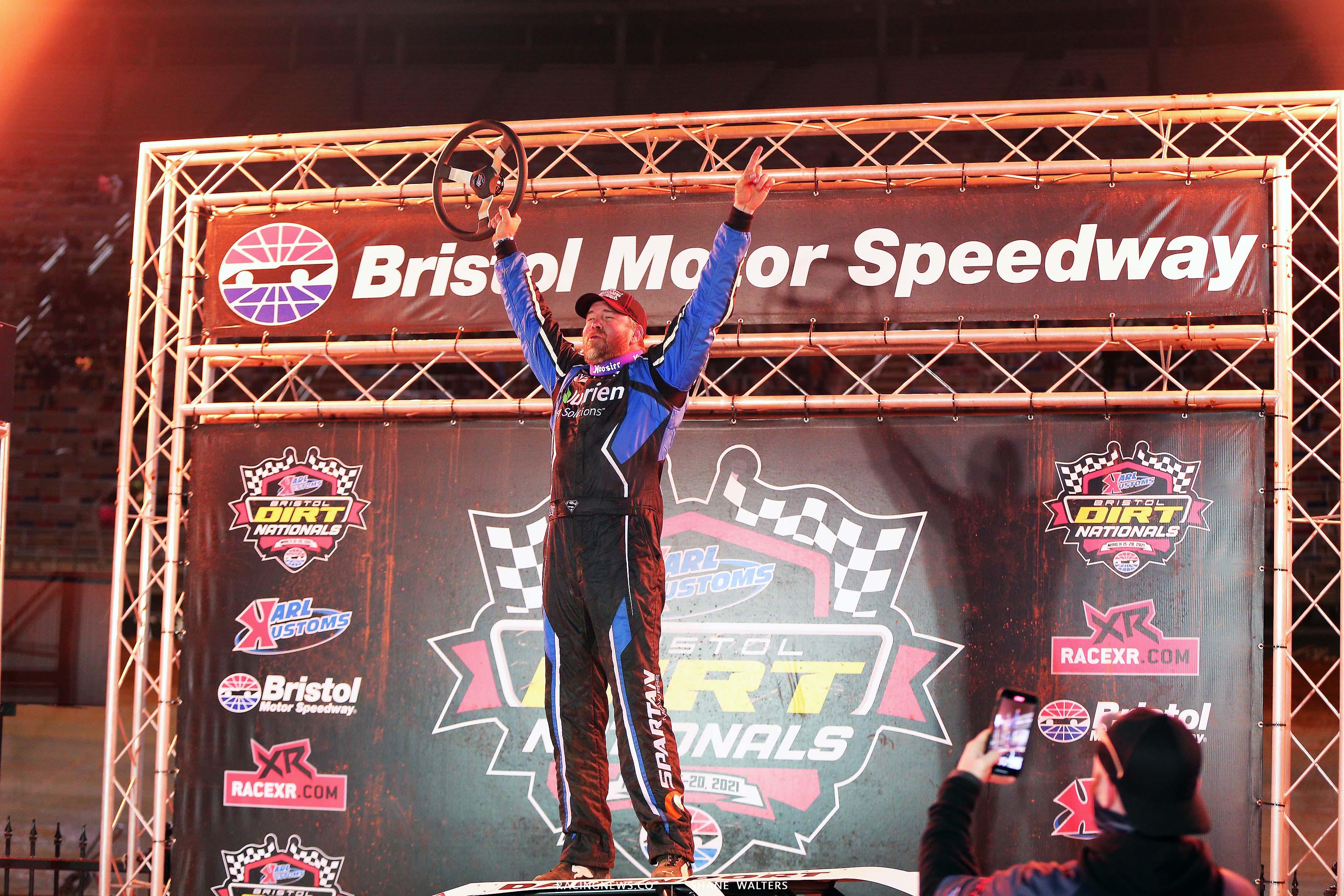 Jonathan Davenport wins on the Bristol Motor Speedway Dirt Track 3083