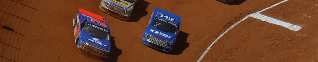 NASCAR crew members shove after Bristol dirt crash (Video)